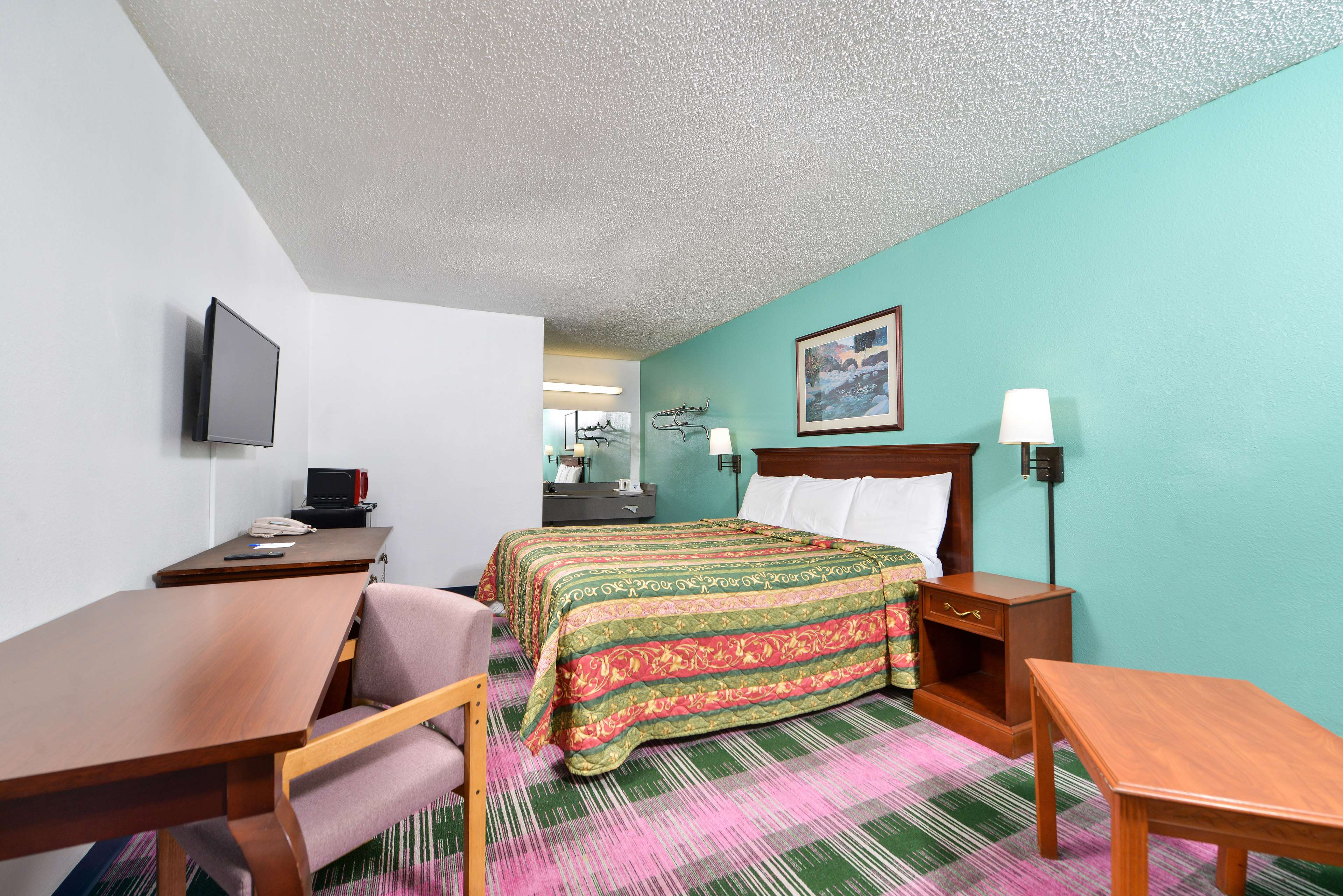 Americas Best Value Inn - Indy South image 6