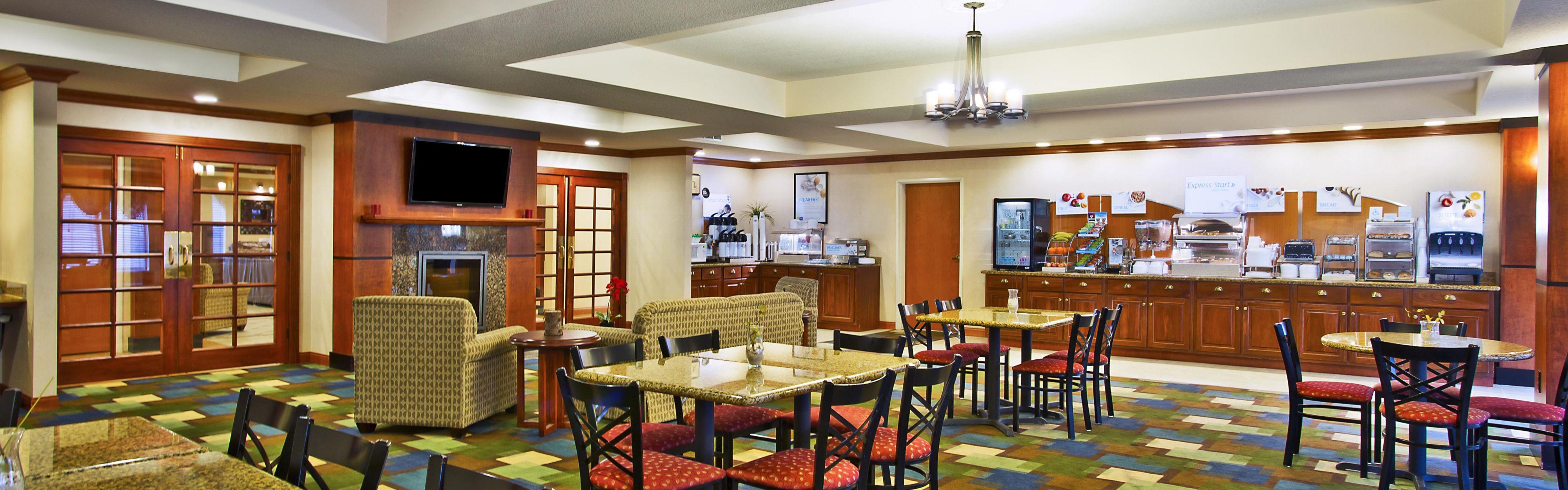 Holiday Inn Express & Suites East Lansing image 3