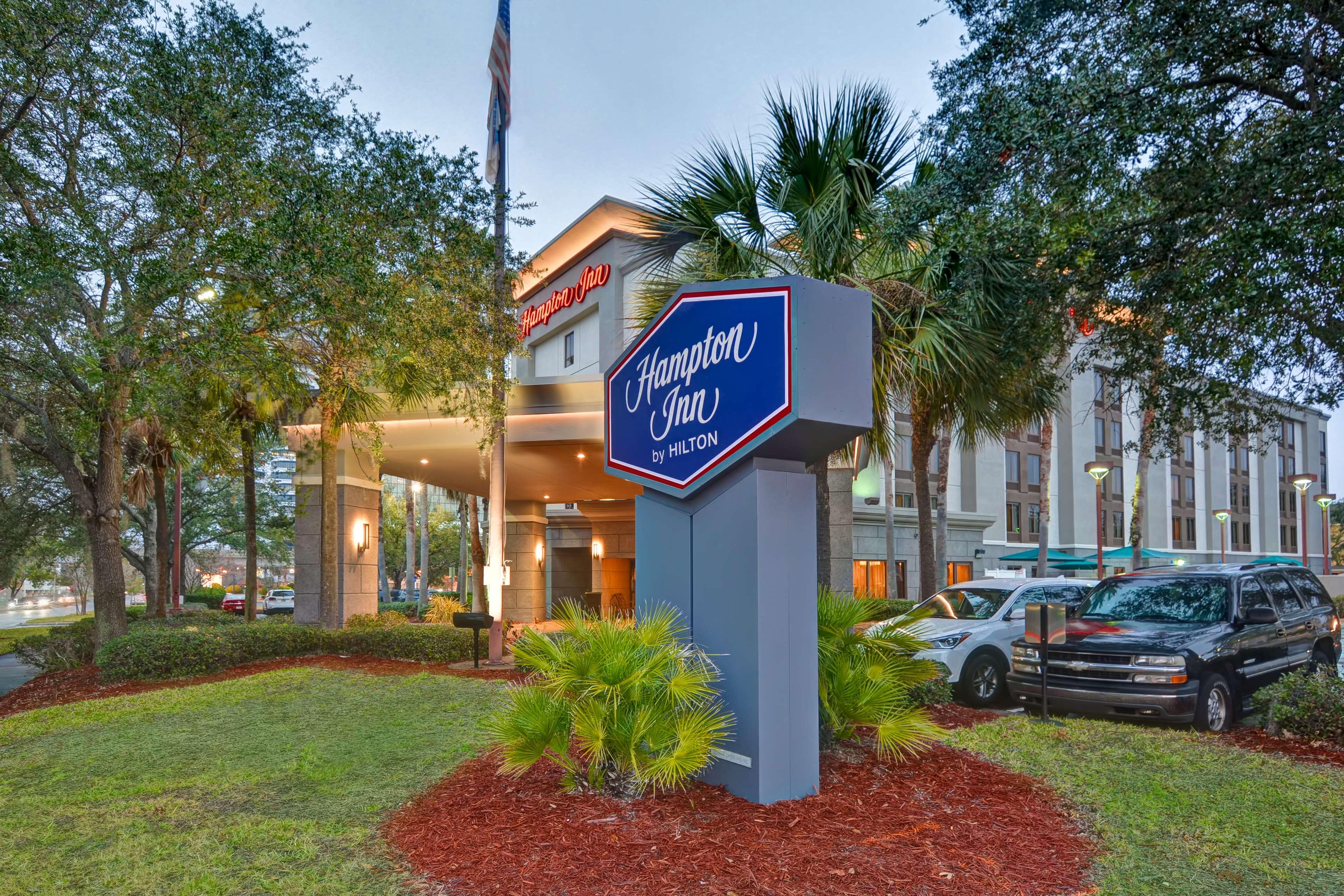 Hampton Inn Jacksonville-Downtown-I-95 image 1