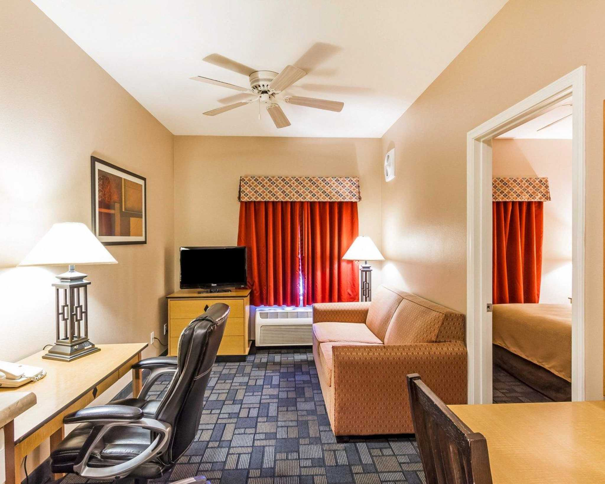MainStay Suites image 13