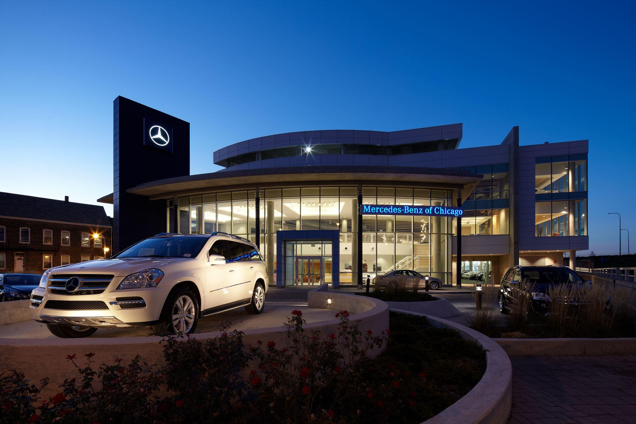 mercedes benz of chicago at 1520 w north ave chicago il