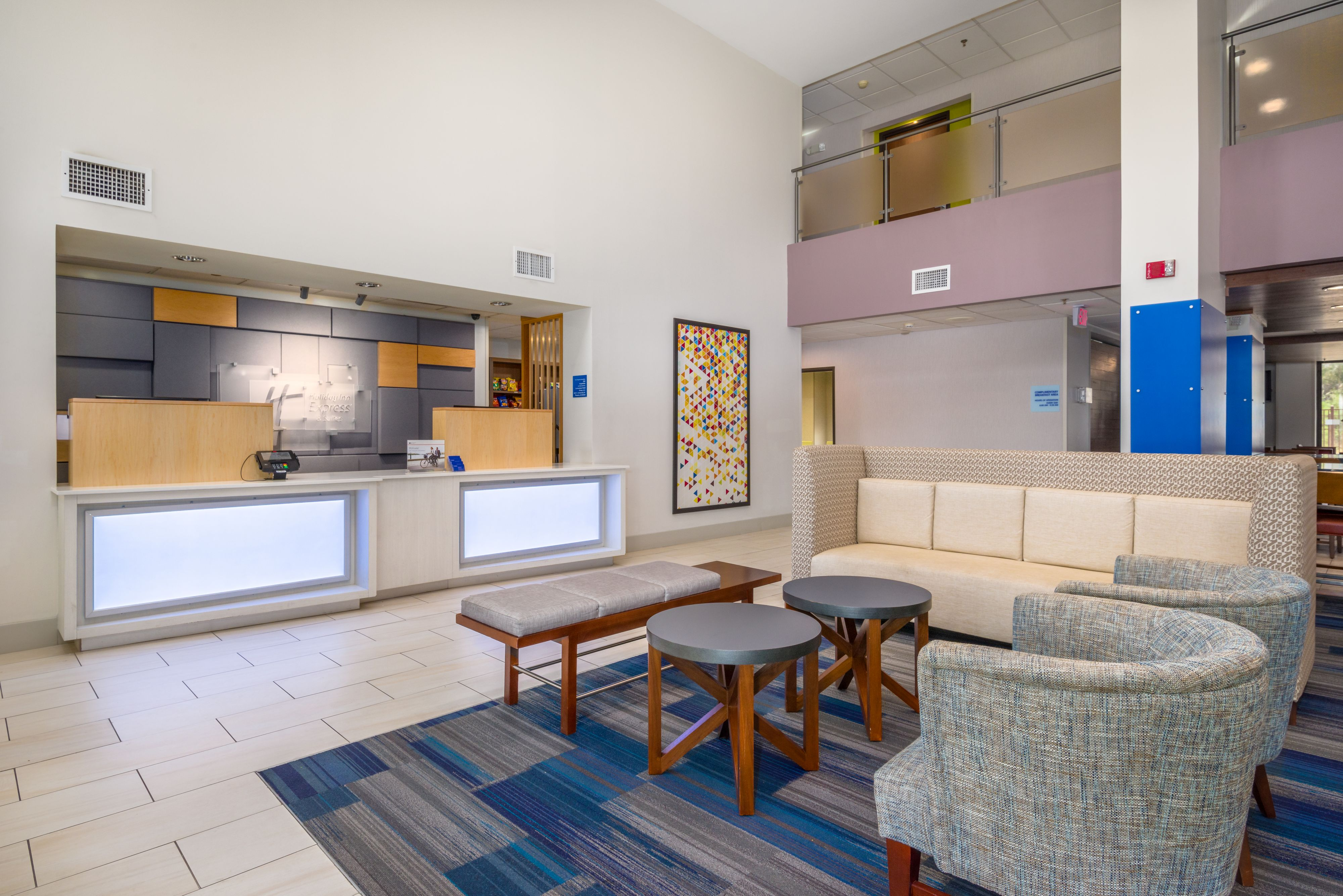 Holiday Inn Express & Suites Phoenix Airport image 5