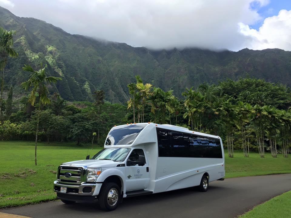Luxury Limo Hawaii image 13