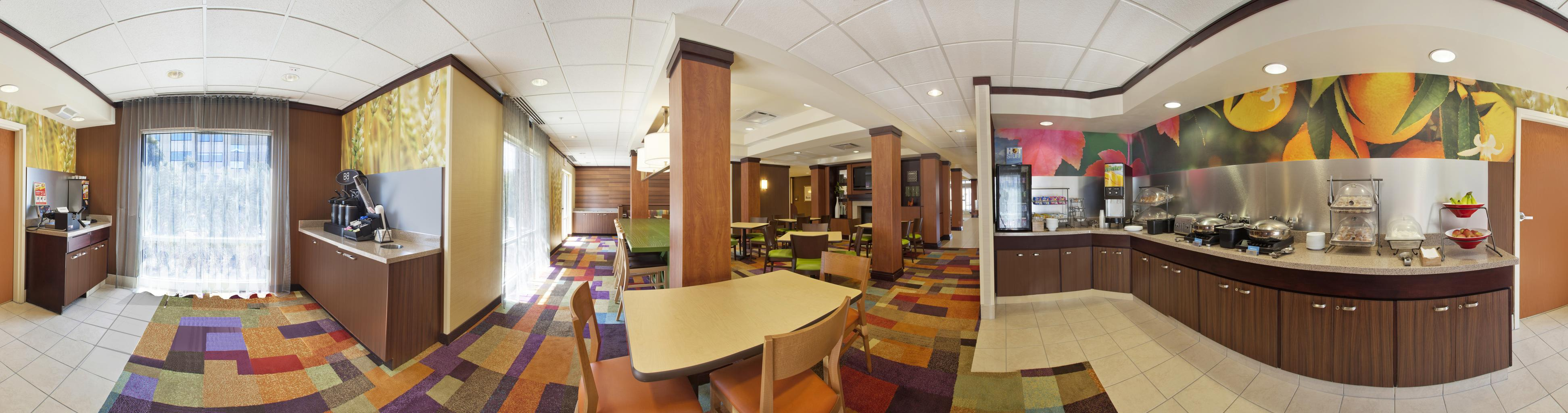 Fairfield Inn & Suites by Marriott Detroit Metro Airport Romulus image 9