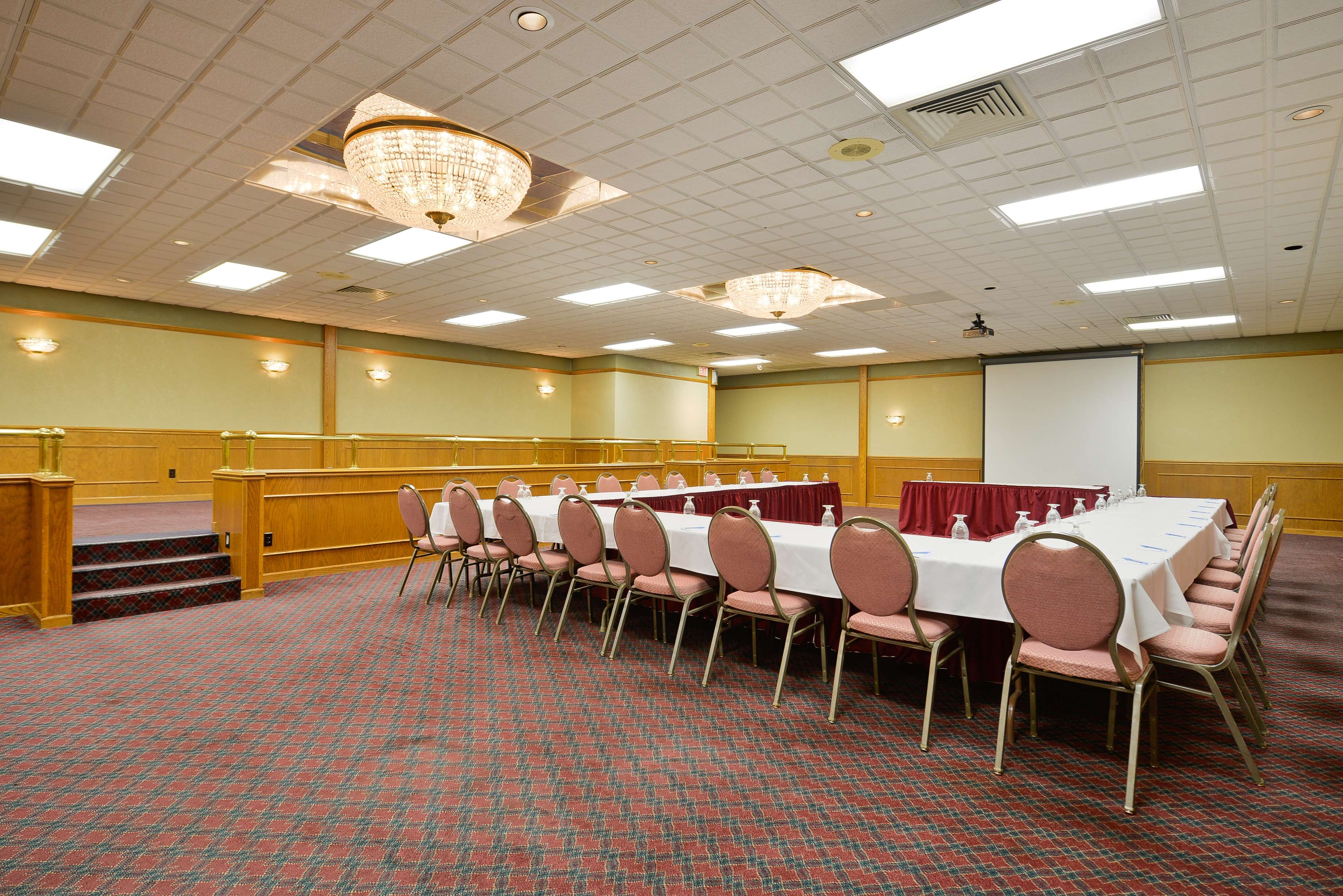 Best Western Green Bay Inn Conference Center image 43