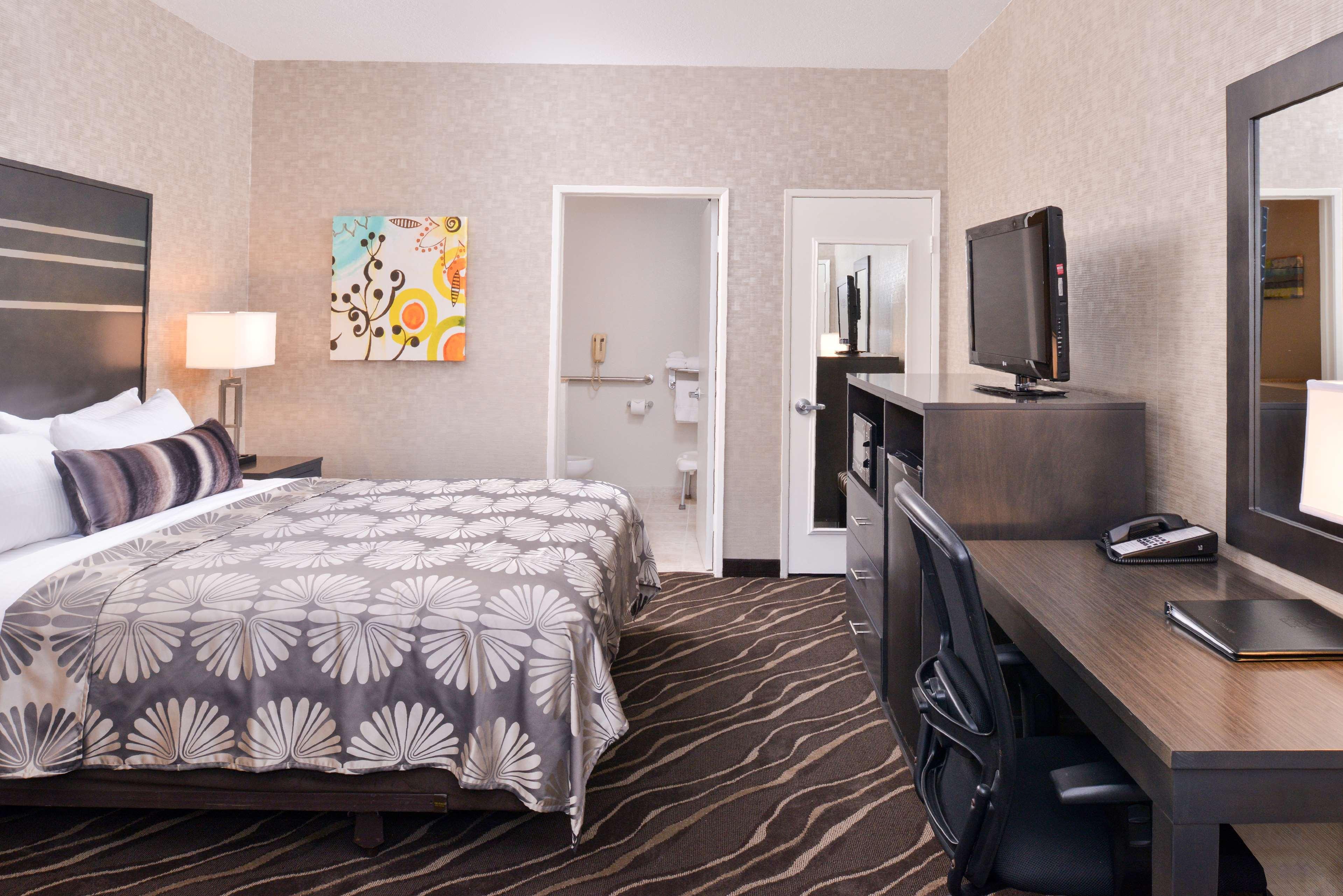 Best Western Plus Park Place Inn - Mini Suites image 27