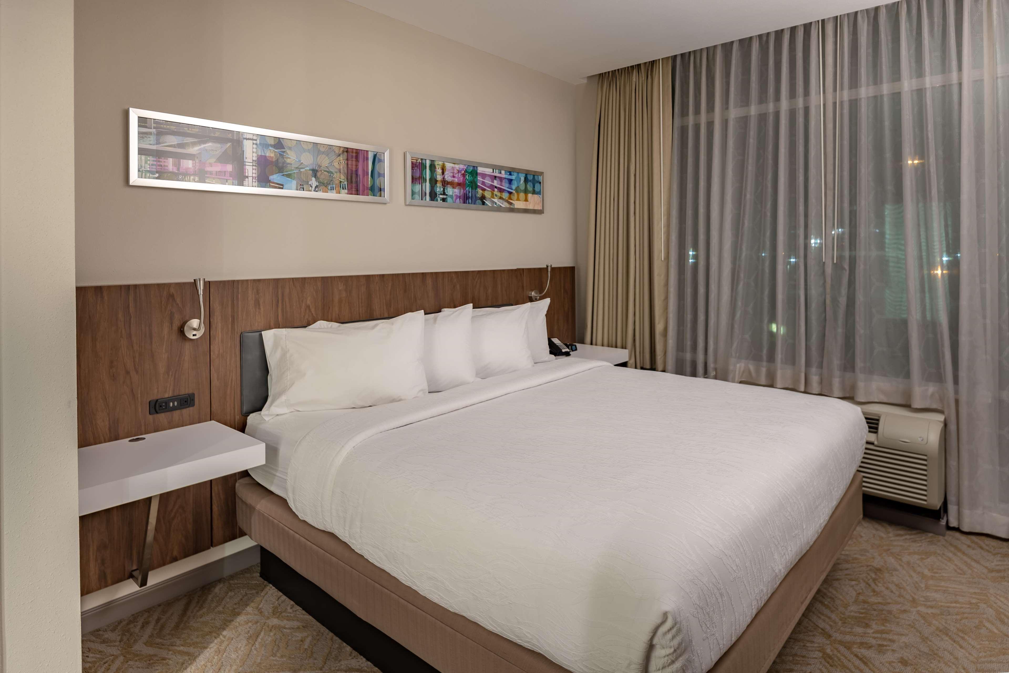 Hilton Garden Inn Dallas at Hurst Conference Center image 29