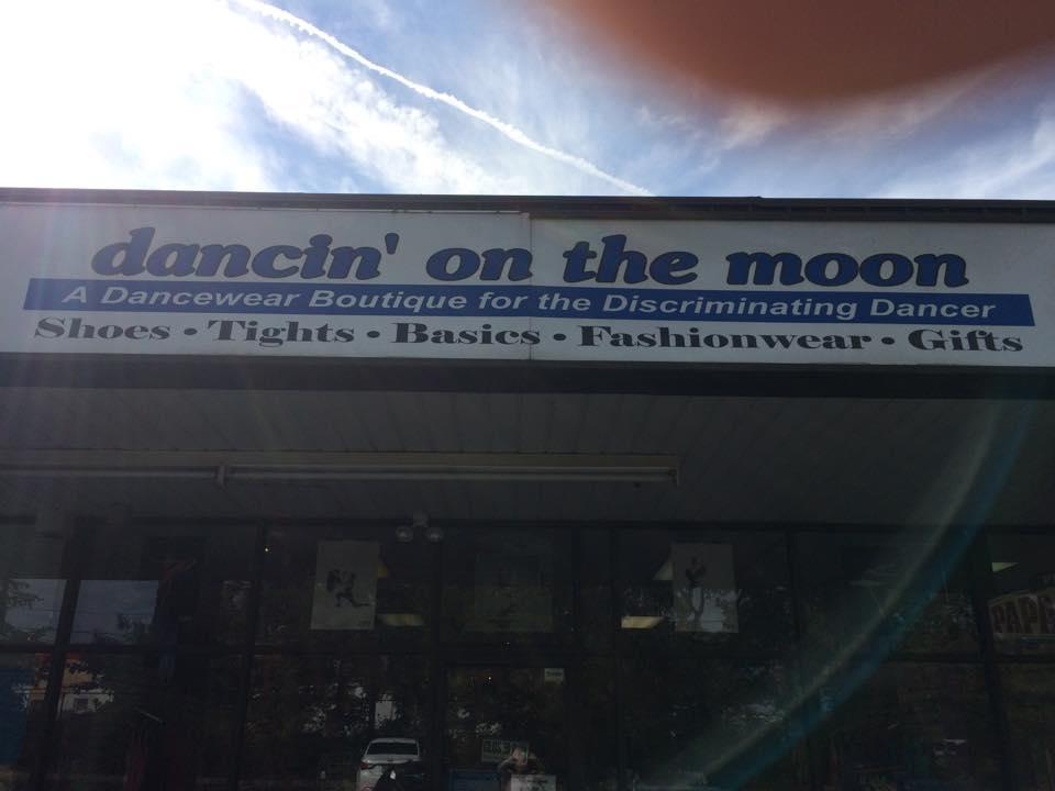 Dancin on the Moon image 3