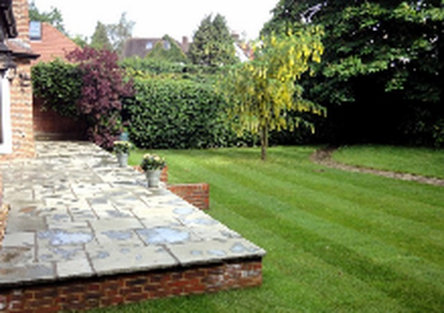 Hertfordshire garden design landscape contractors in st for Garden design hertfordshire