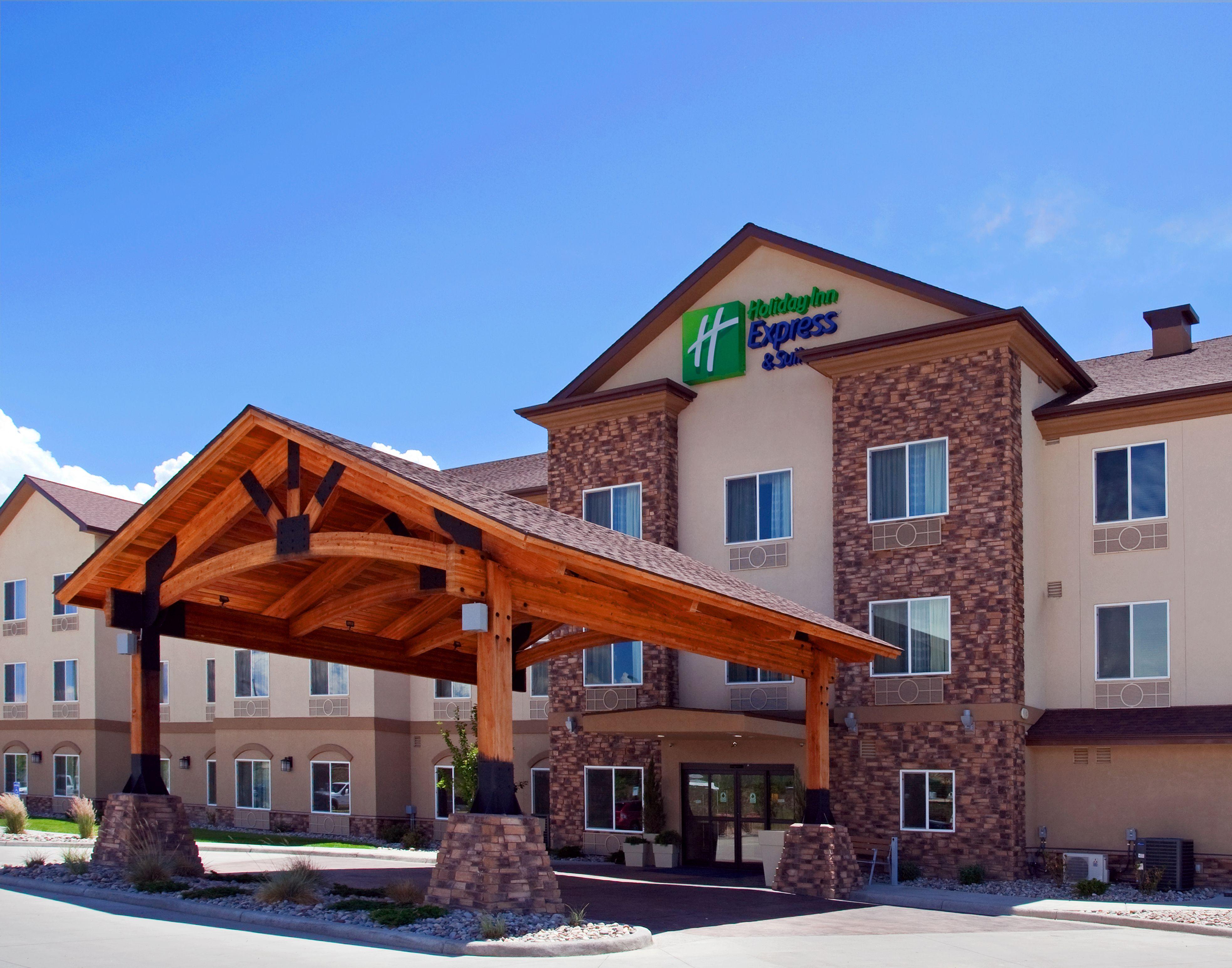 Holiday Inn Express & Suites Sikeston image 4