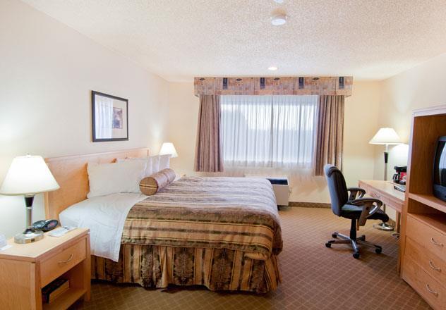 Best Western Chelsea Inn in Coquitlam: King Bed Guest Room