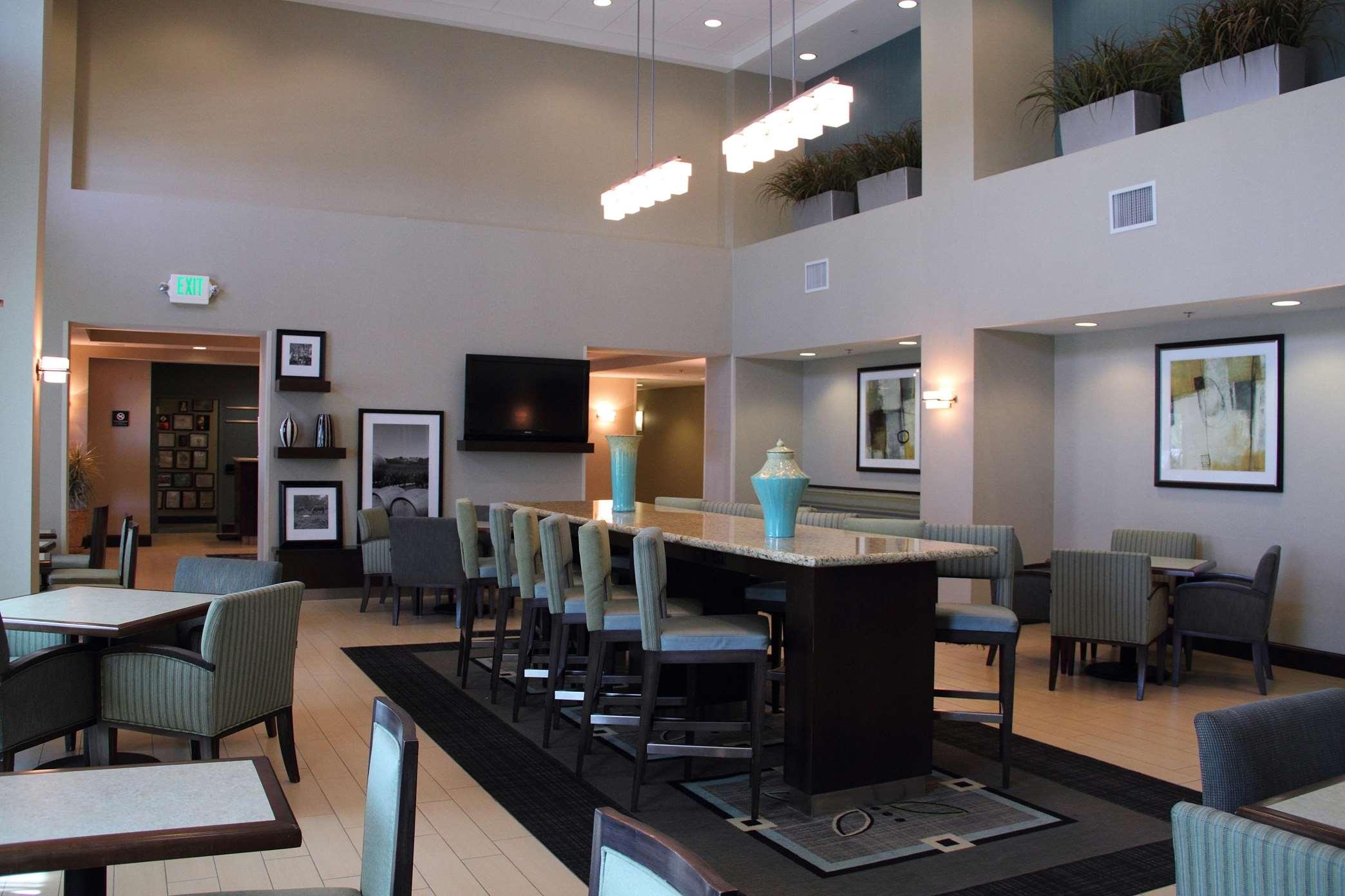 Hampton Inn & Suites Manteca image 28