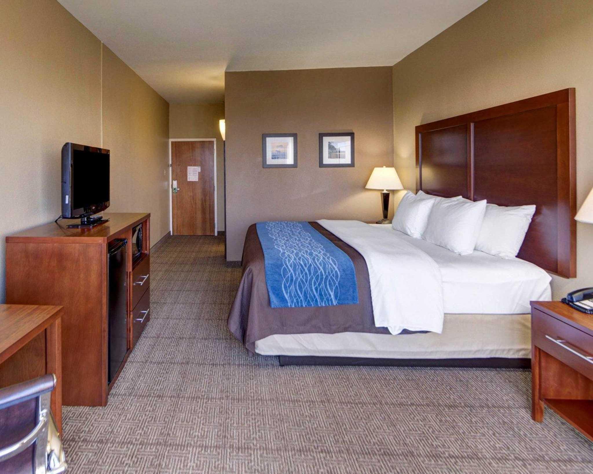 Comfort Inn & Suites Plano East image 7