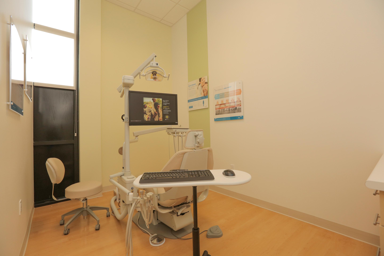 Jantzen Beach Modern Dentistry image 11