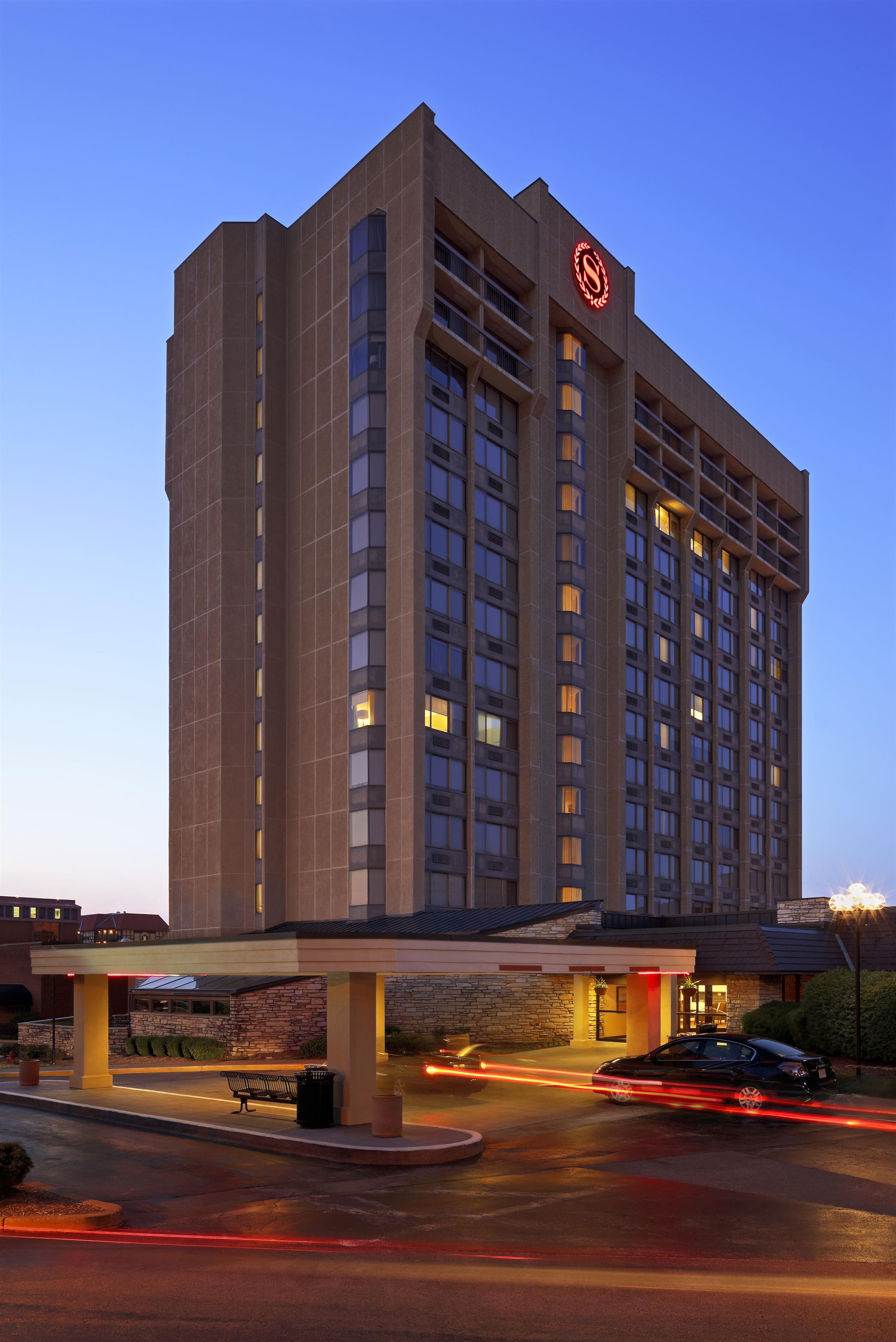Sheraton Westport Plaza Hotel St. Louis image 0