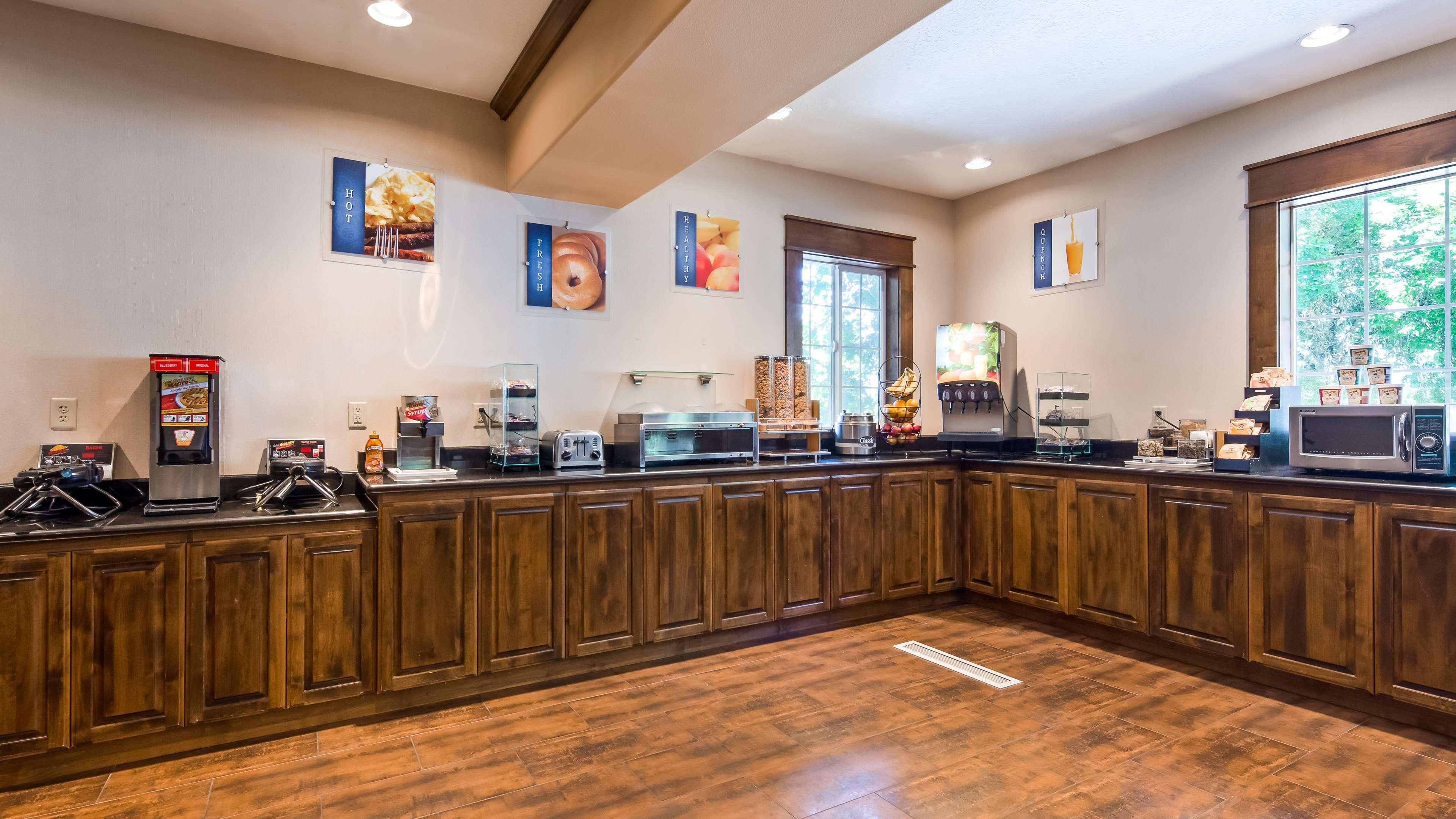 Best Western Plus Prairie Inn image 47