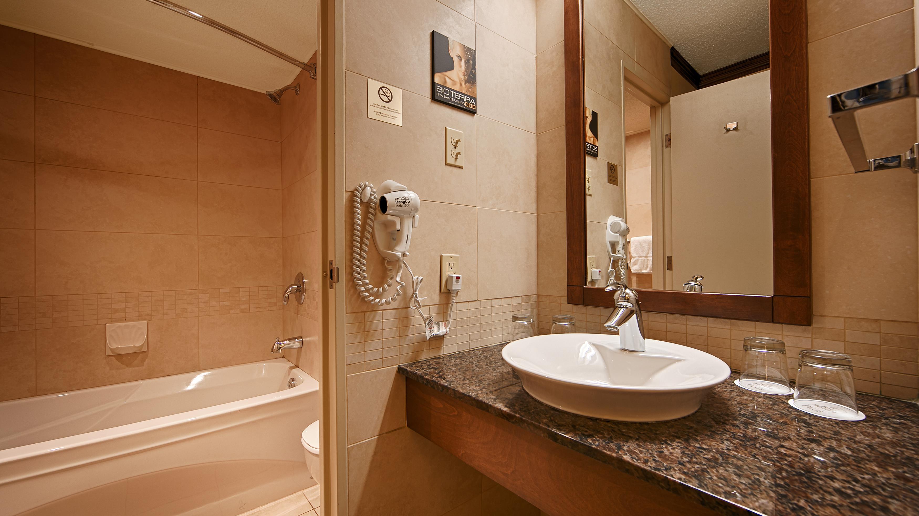 Best Western Hotel Universel Drummondville à Drummondville: Guest Bathroom