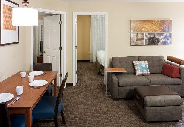 TownePlace Suites by Marriott Dallas Las Colinas image 4