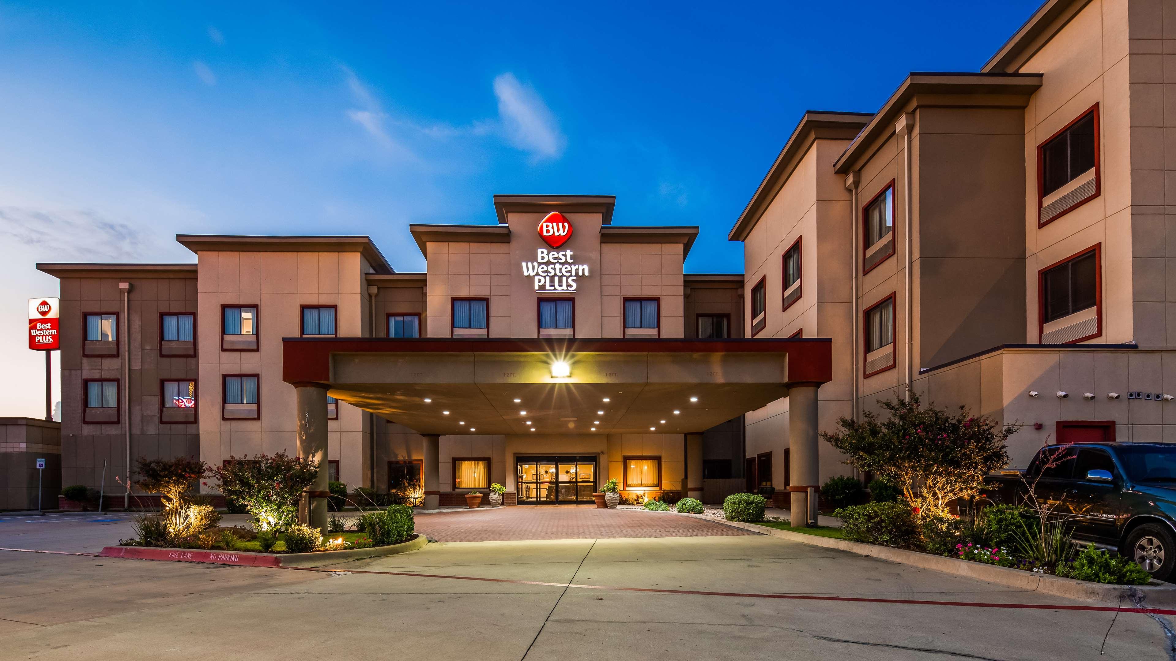 Best Western Plus Texoma Hotel & Suites image 0