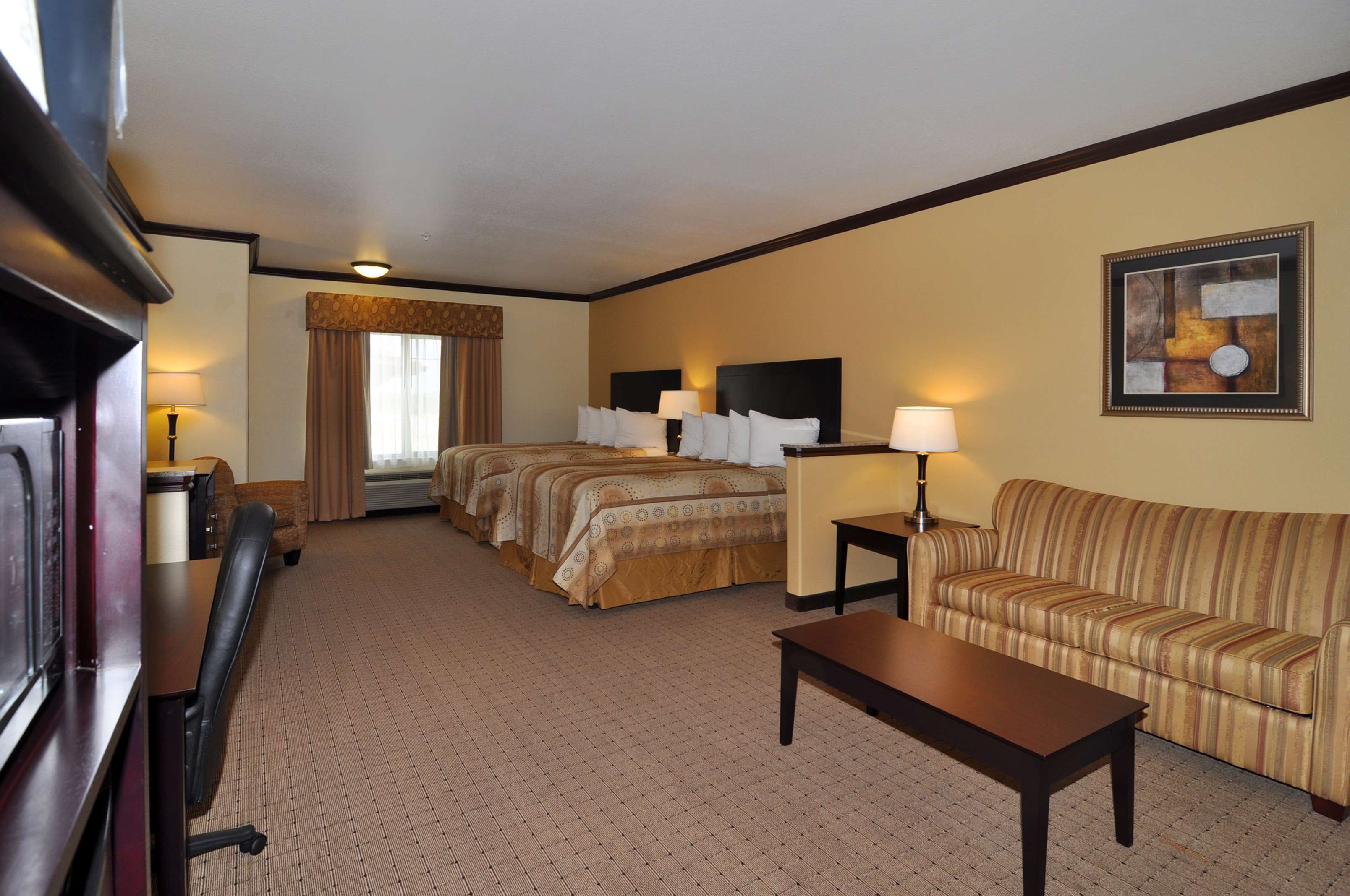 Best Western Plus Royal Mountain Inn & Suites image 10