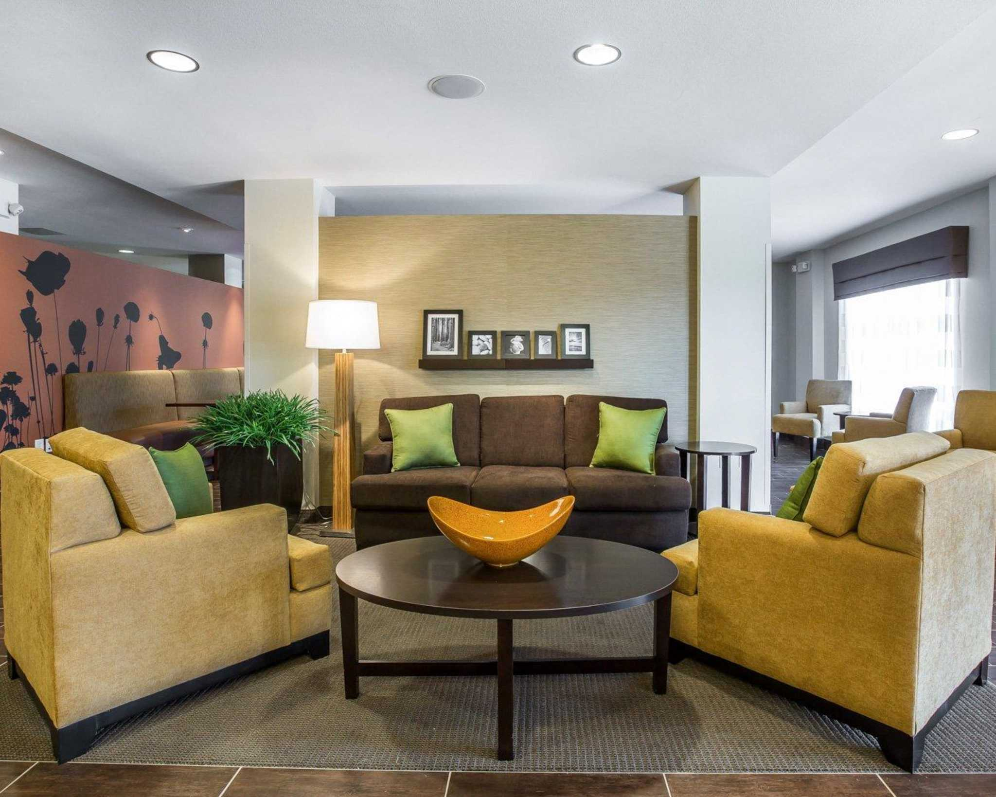 MainStay Suites Cartersville - Emerson Lake Point image 5