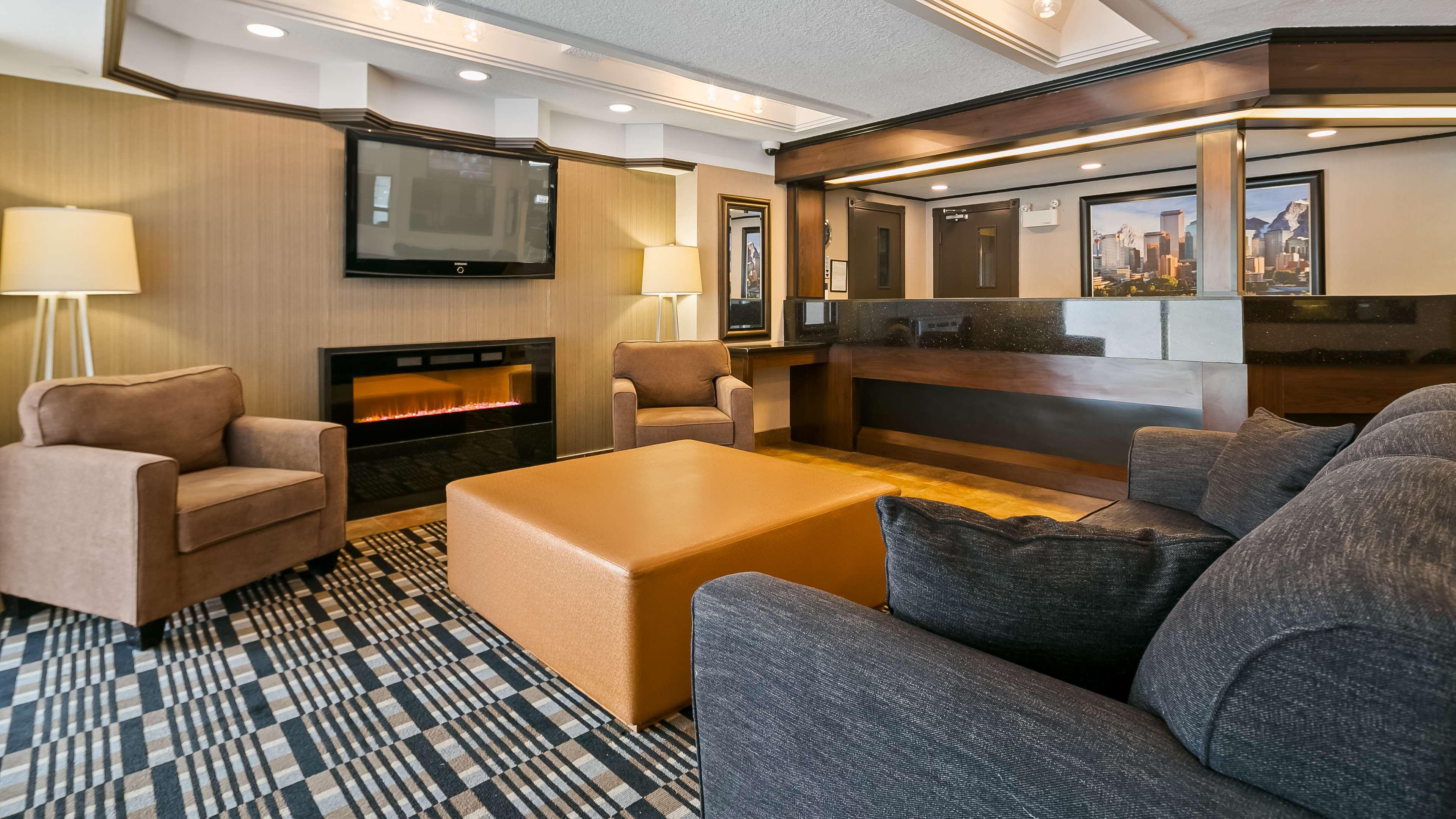 Best Western Airport Inn in Calgary: Hotel Lobby