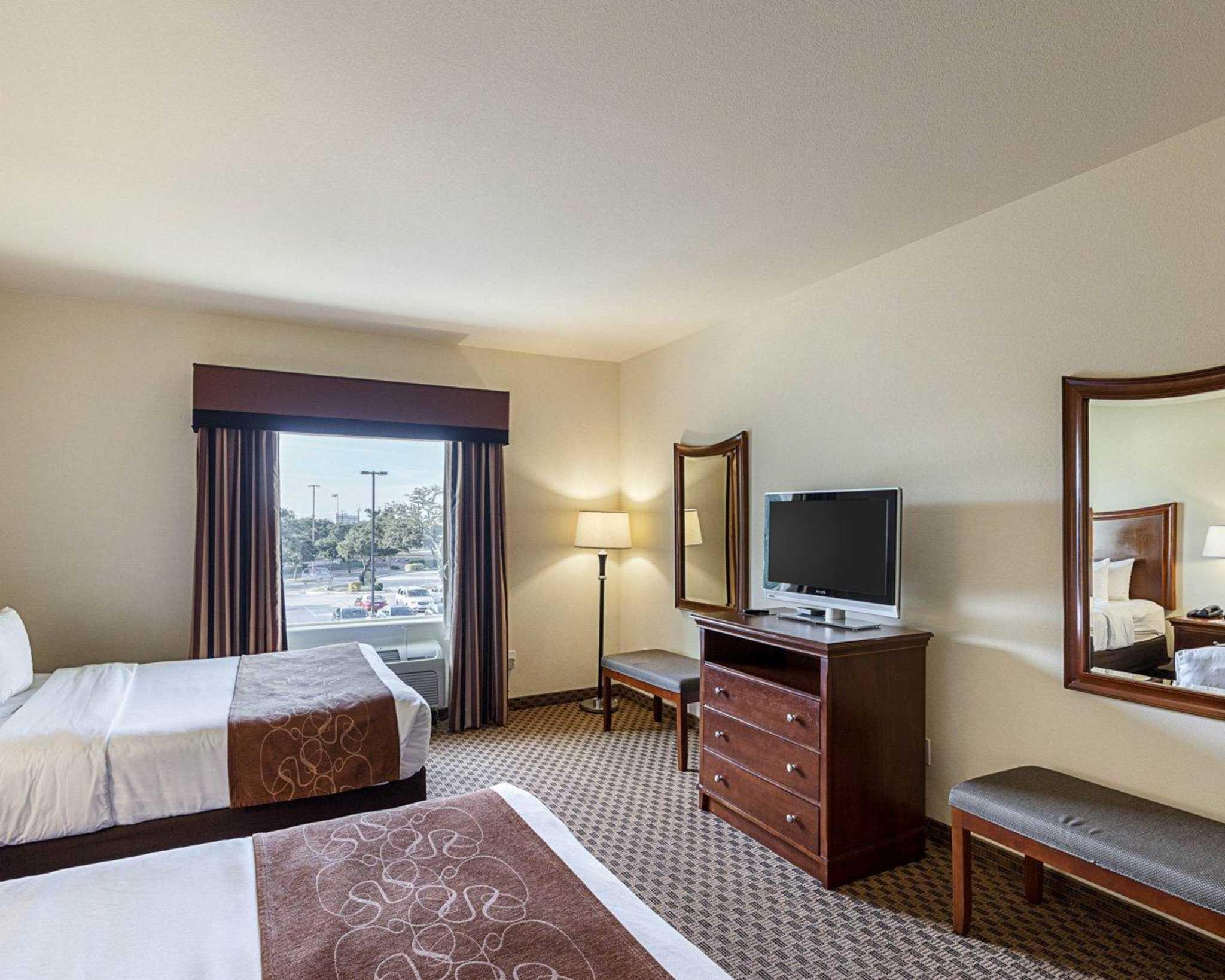 Comfort Suites San Antonio North - Stone Oak image 5