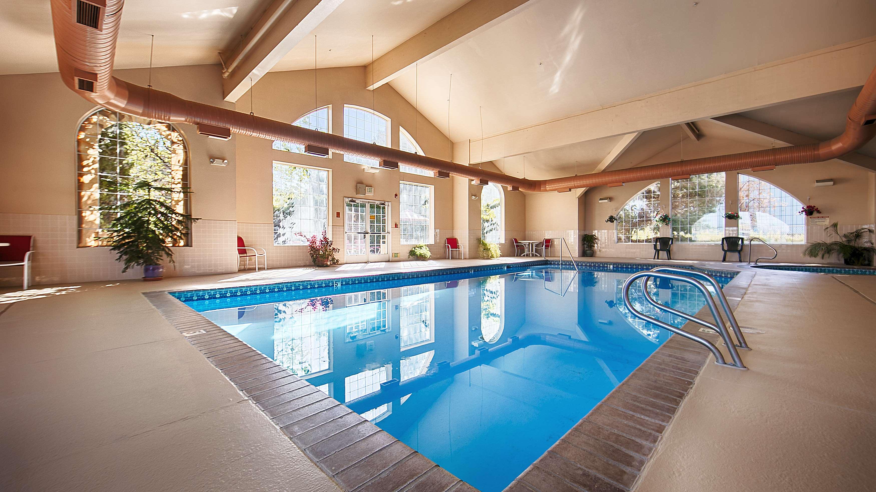 Best Western Plus Caldwell Inn & Suites image 12