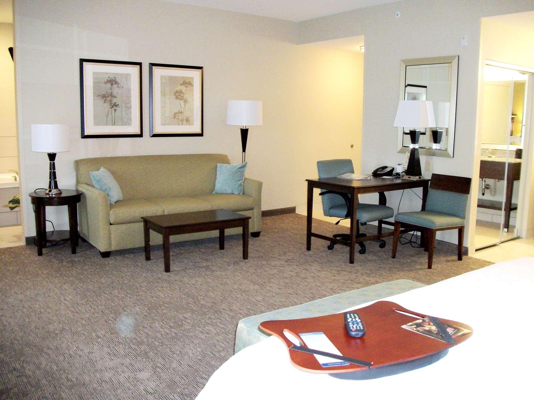 Hampton Inn & Suites Manteca image 26