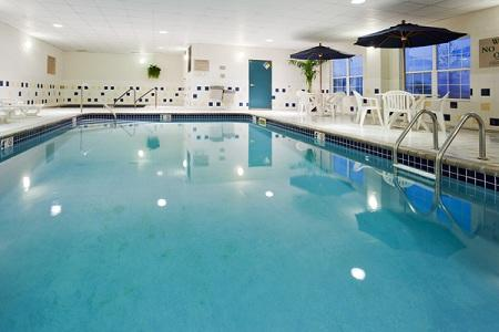 Country Inn & Suites by Radisson, Coralville, IA image 0