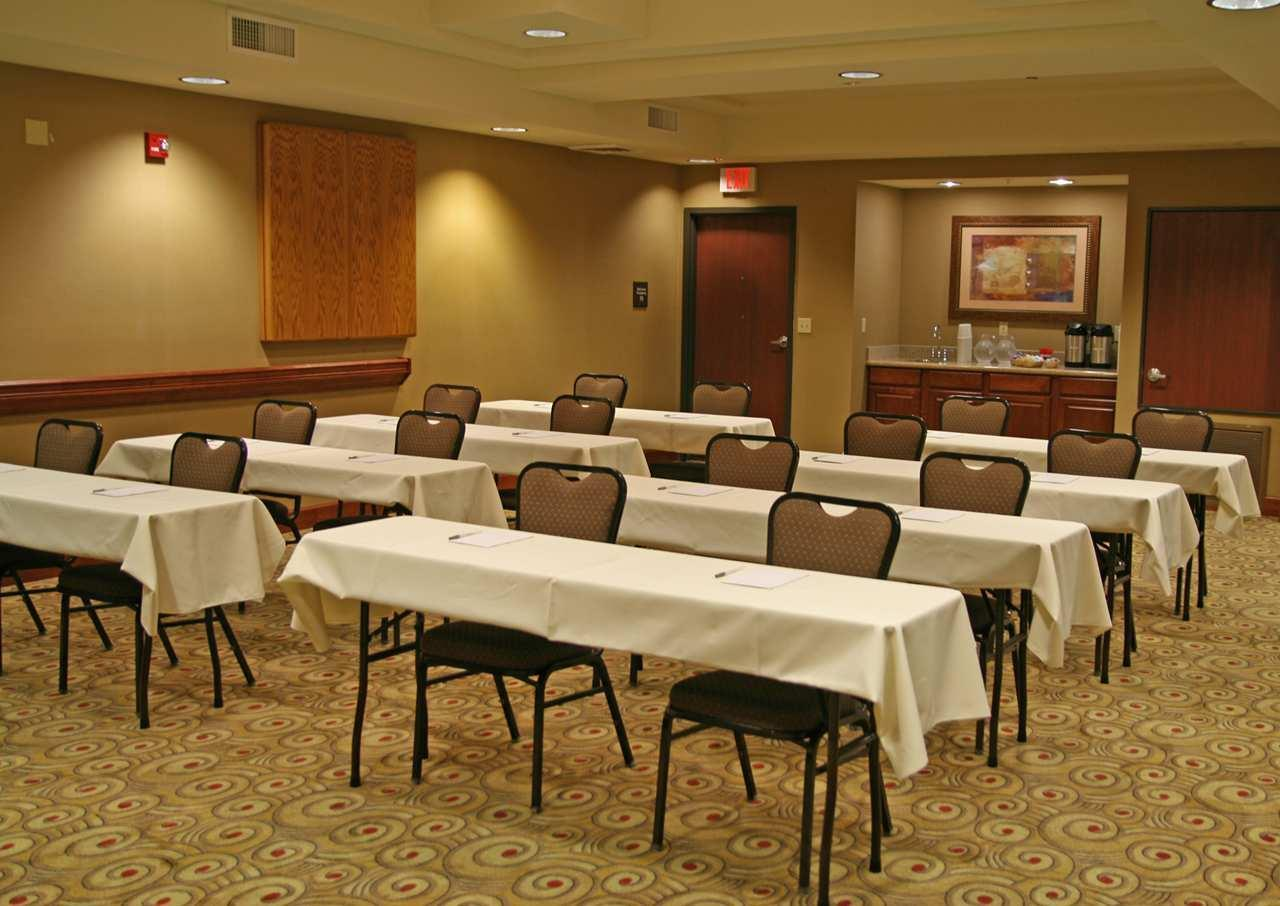 Hampton Inn & Suites Phoenix-Surprise image 9