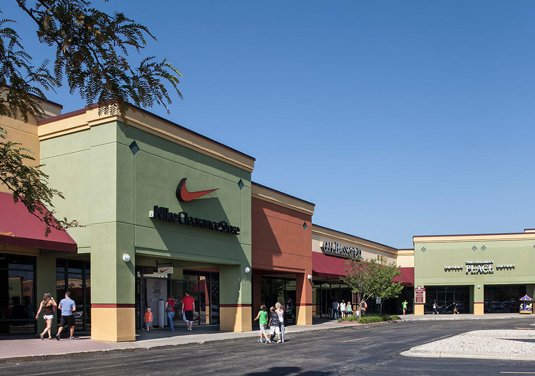 Johnson Creek Premium Outlets image 1