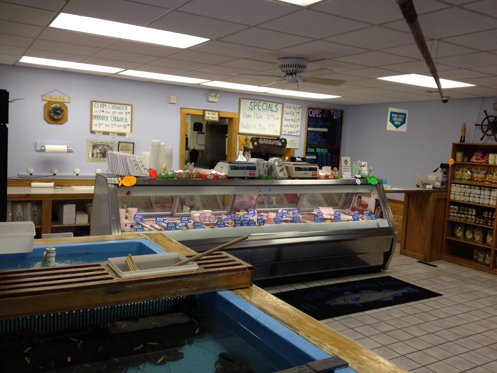 Falmouth fish market in teaticket ma whitepages for Boston fish market chicago