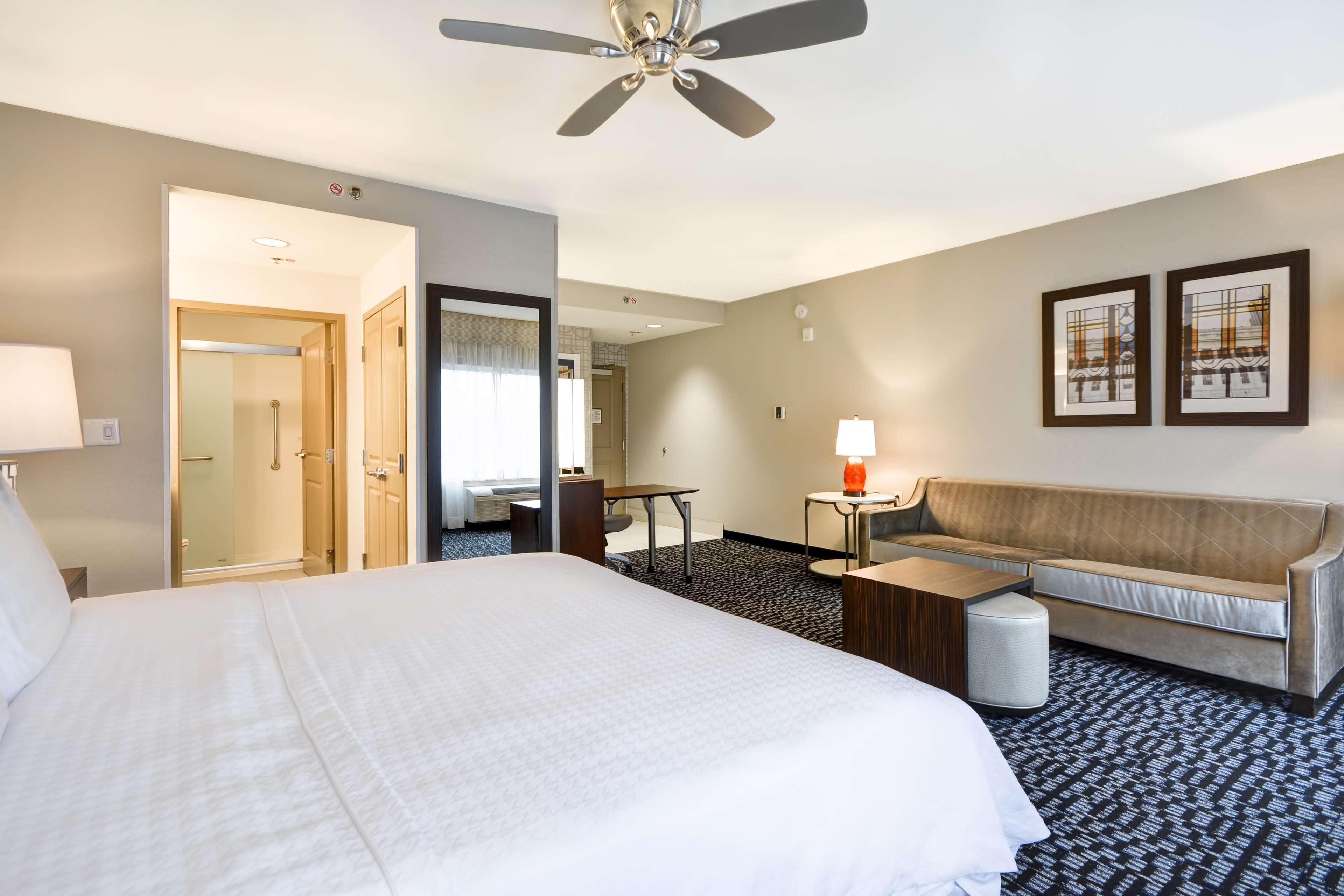 Homewood Suites by Hilton Birmingham Downtown Near UAB image 6