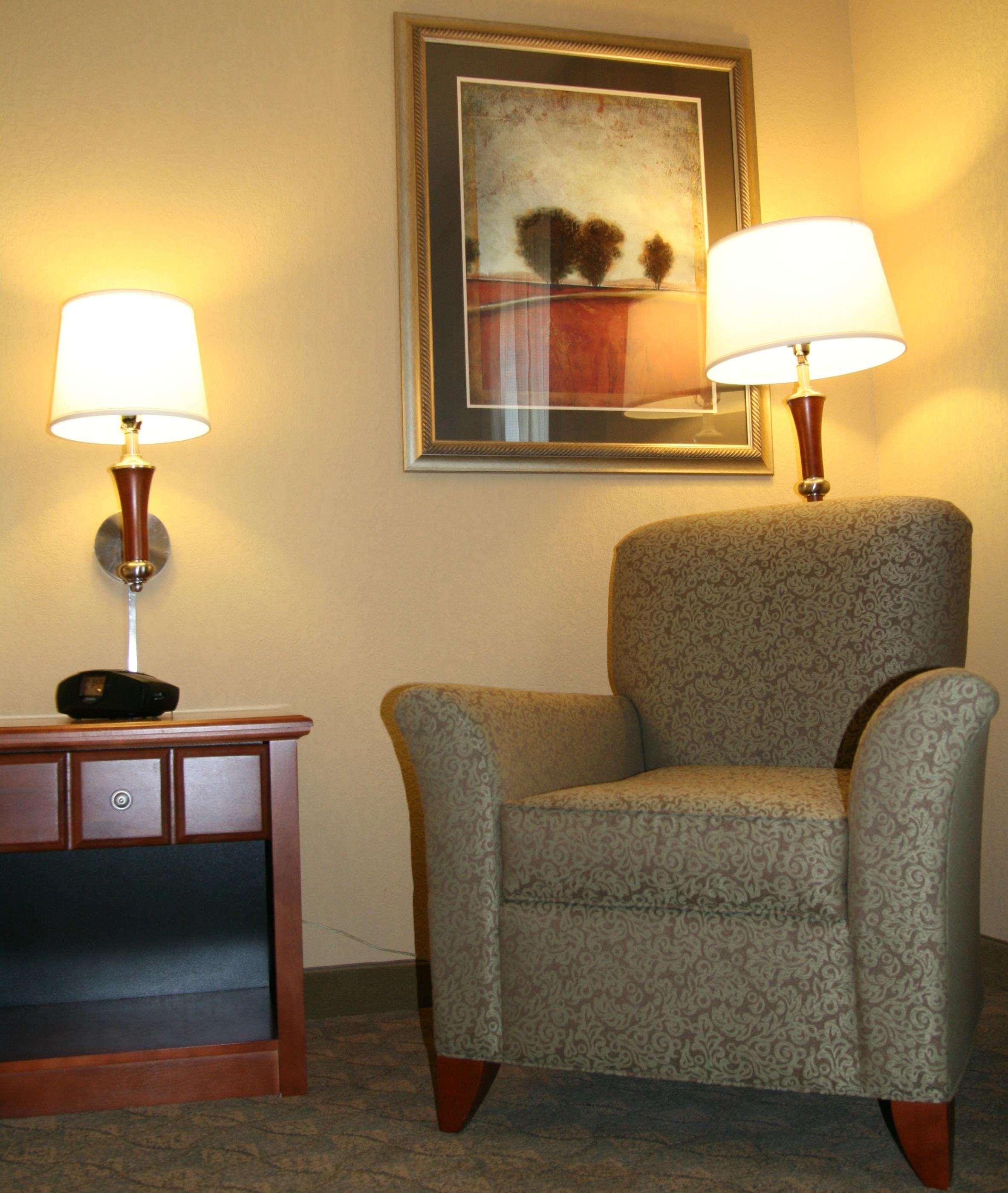 Hampton Inn & Suites Paducah image 33