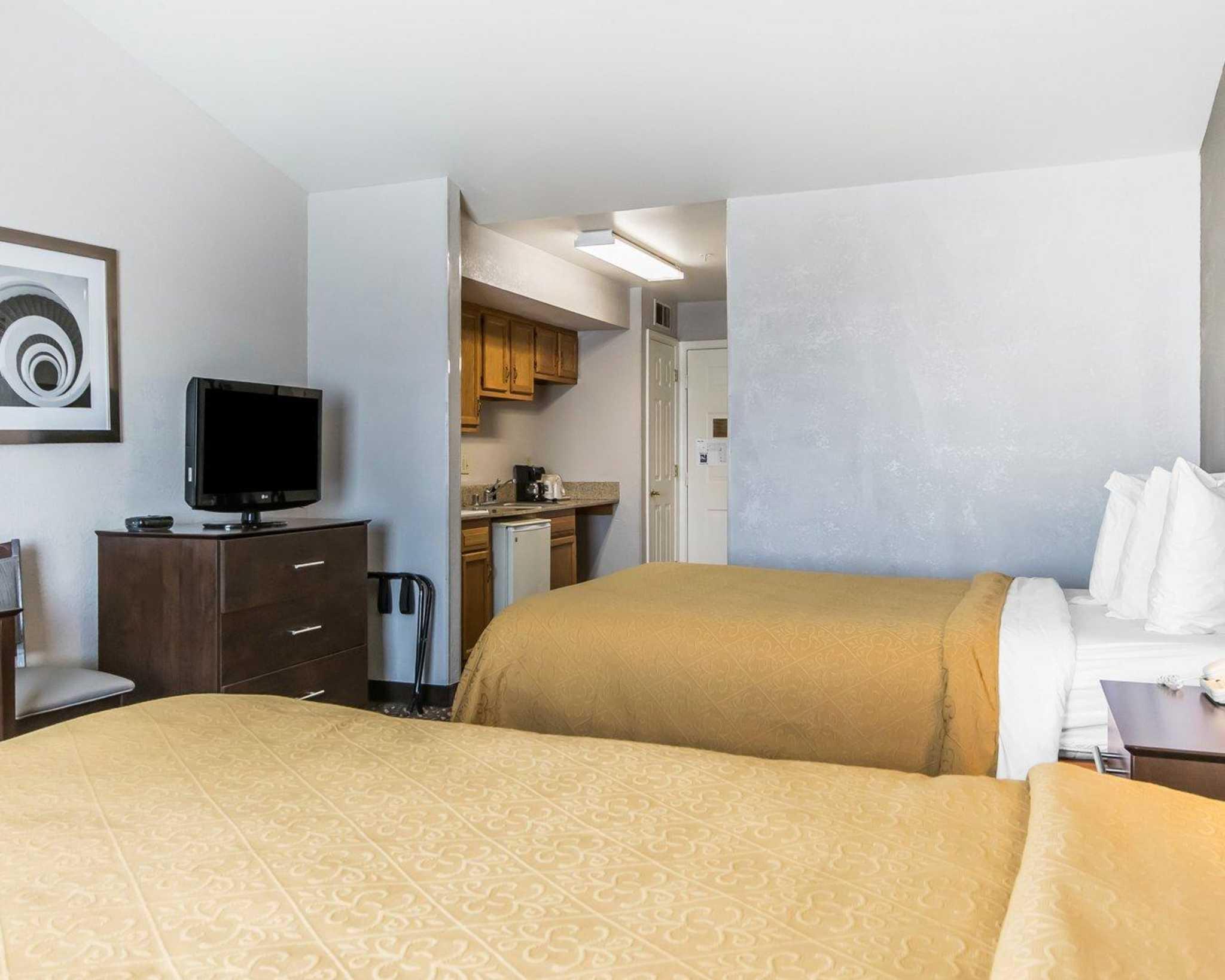 Quality Inn & Suites University/Airport image 6