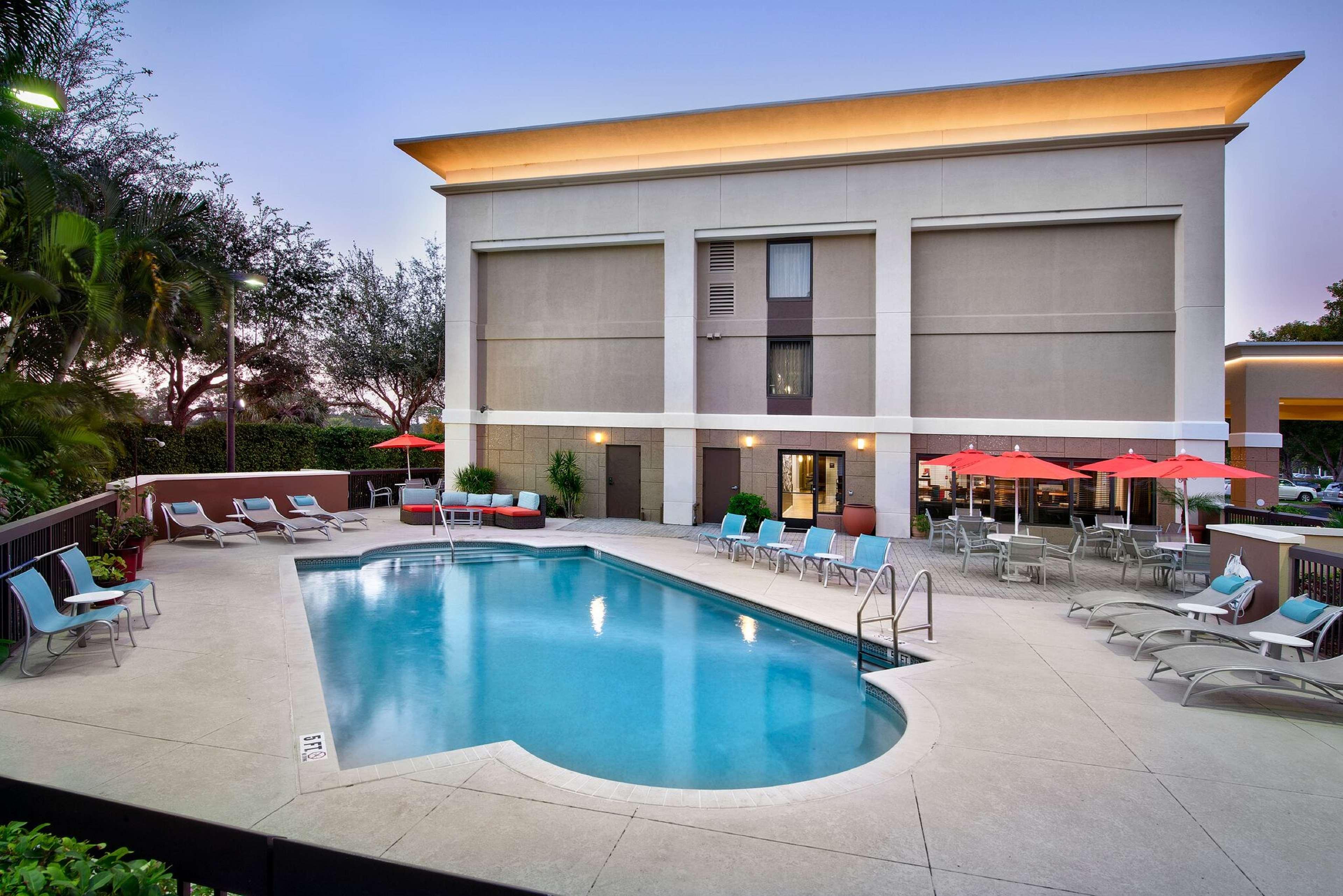 Hampton Inn Naples-I-75 image 10