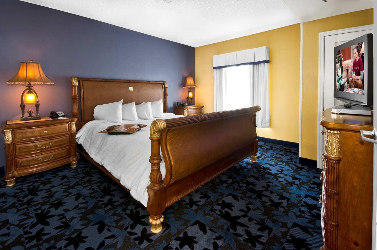 Hampton Inn & Suites Jacksonville South-St. Johns Town Center Area image 8