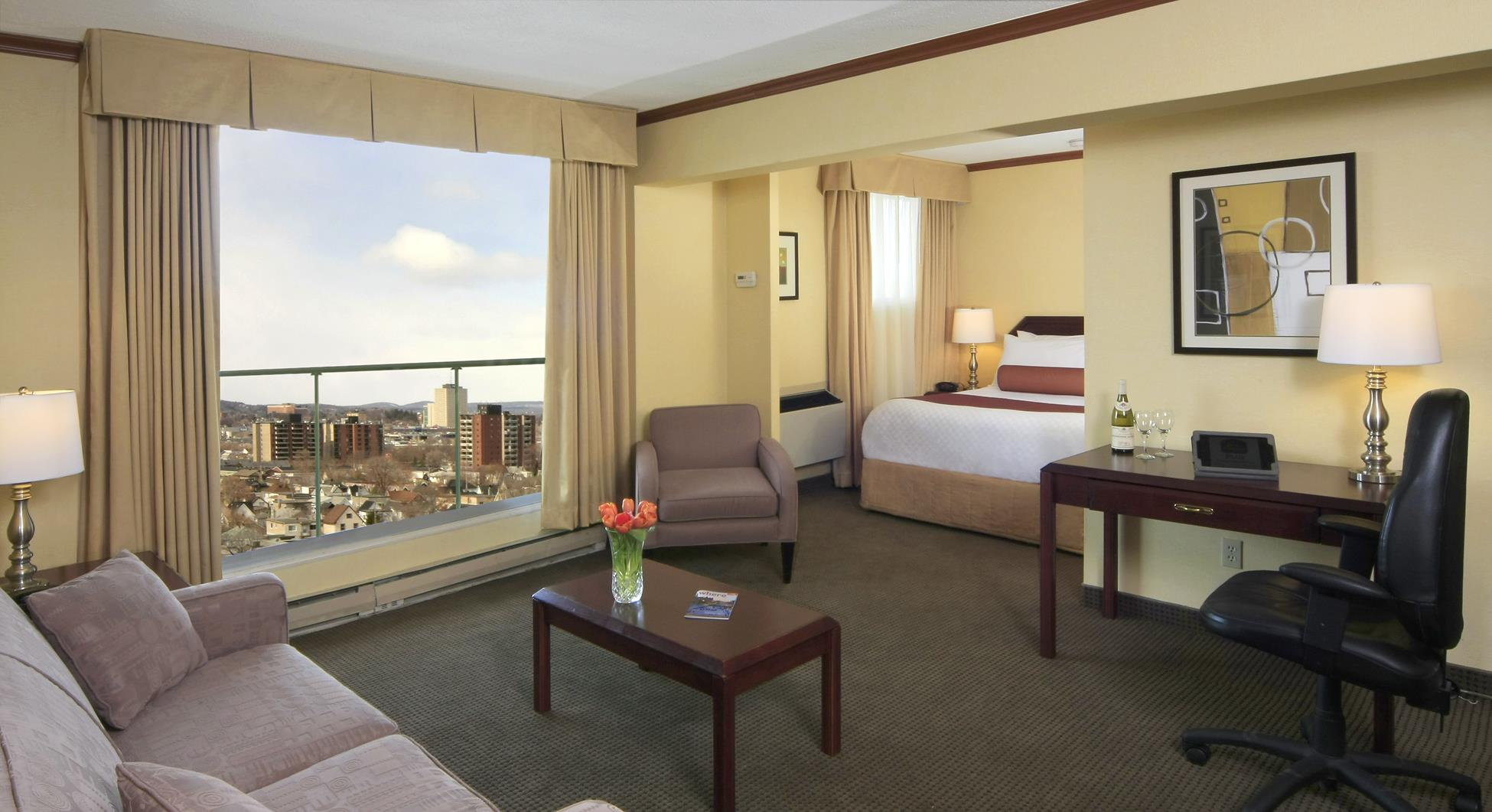 Best Western Plus Gatineau-Ottawa à Gatineau: Junior Suite City View
