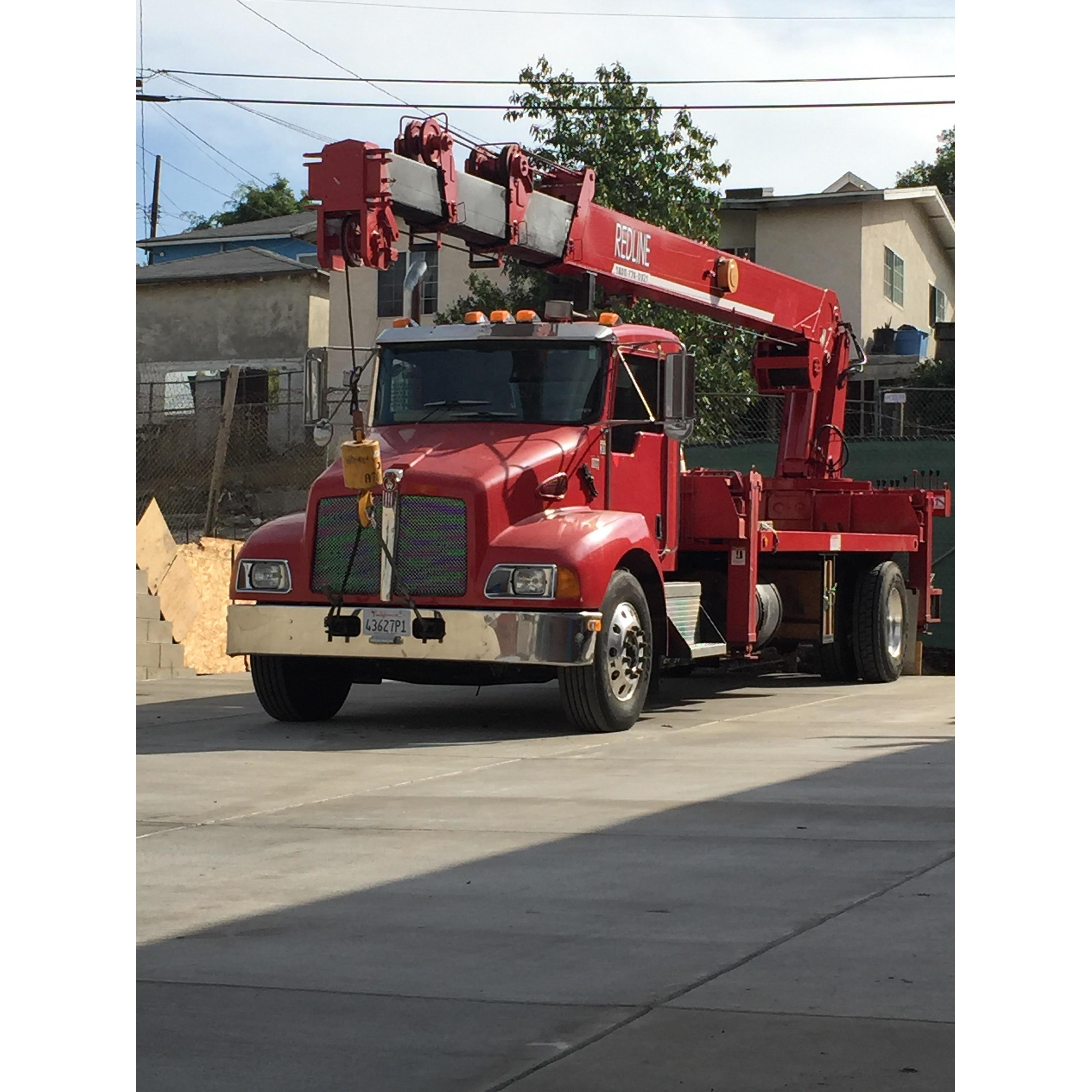 Redline Crane,LLC