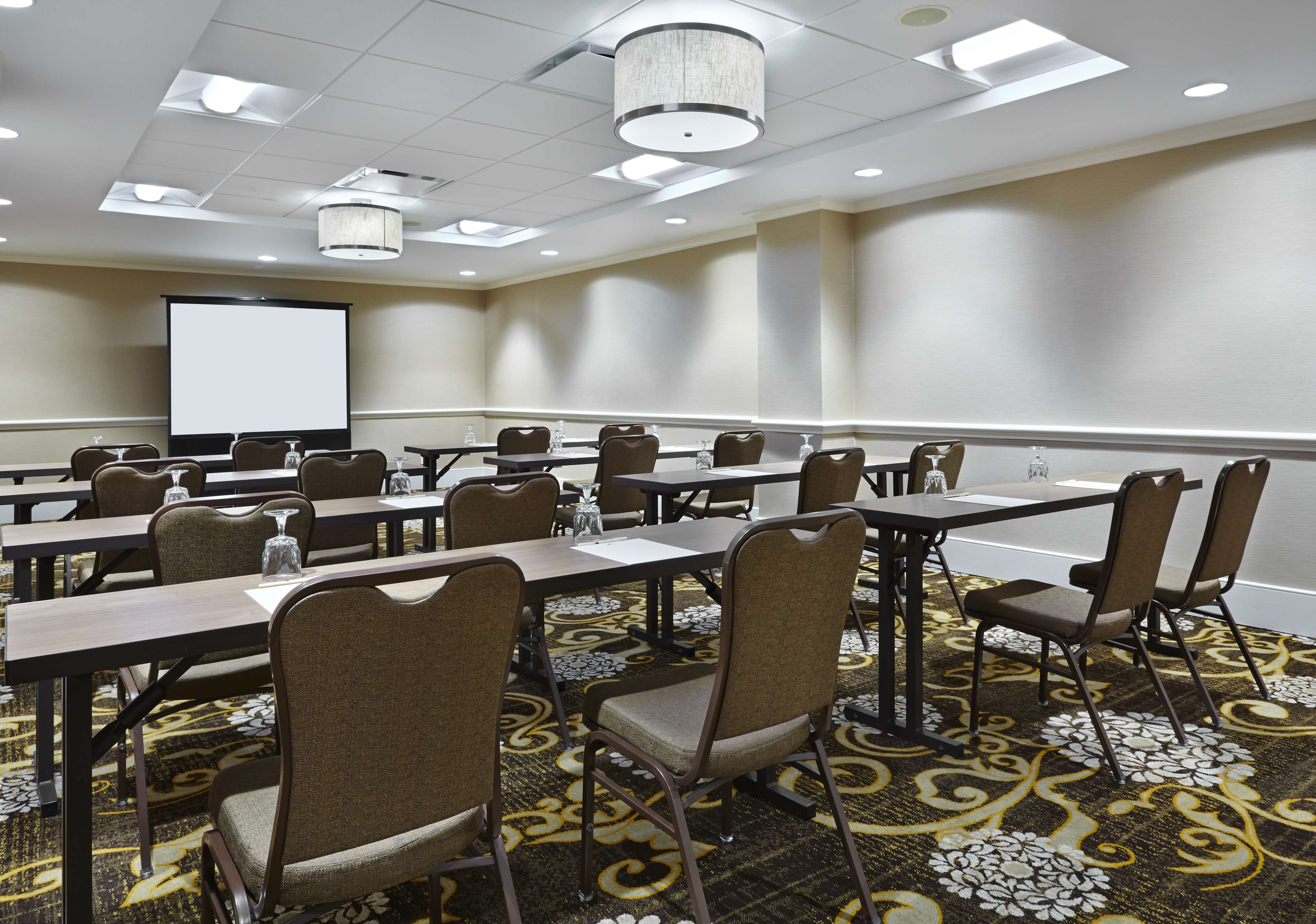 DoubleTree by Hilton Hotel Washington DC - Silver Spring image 17