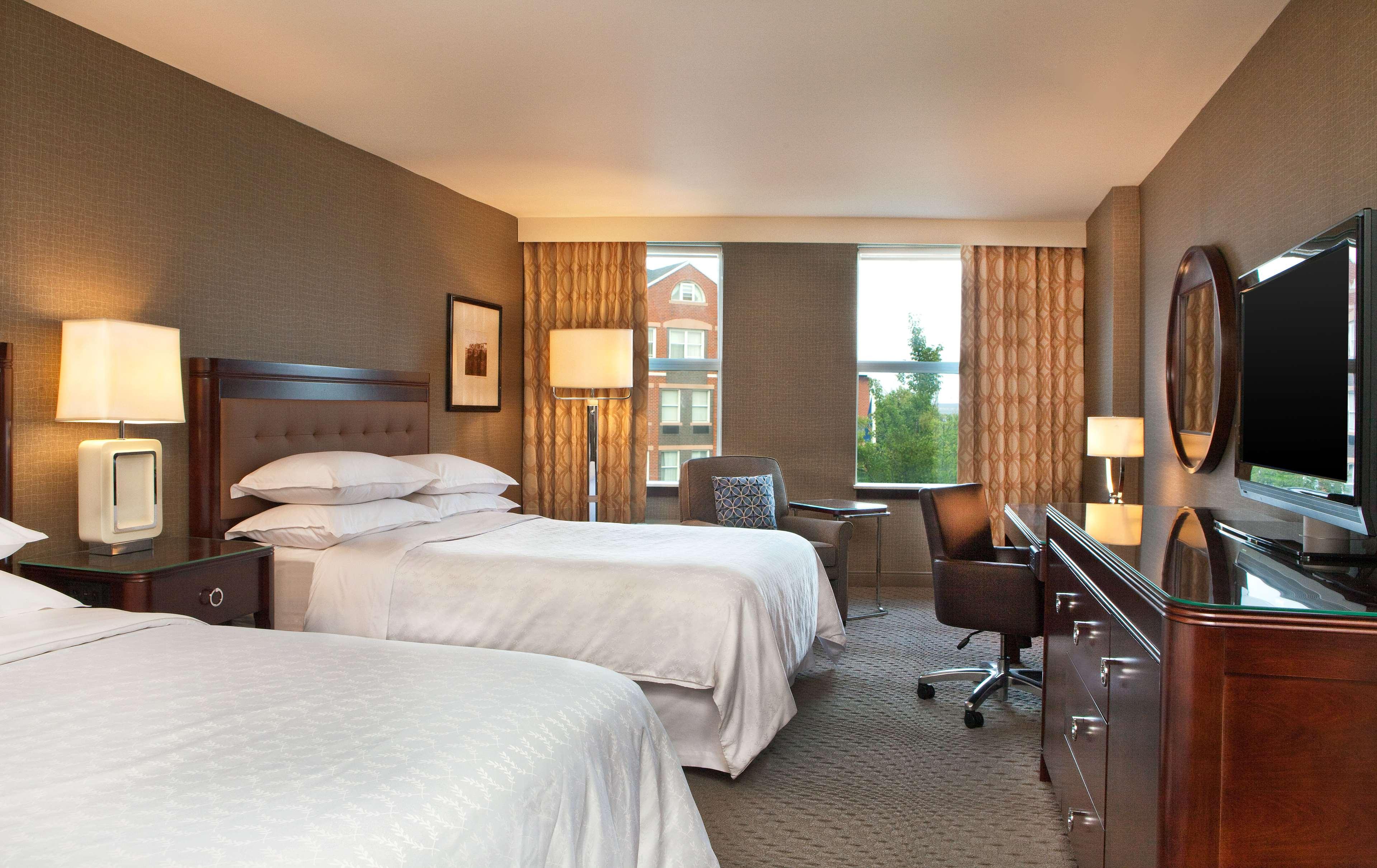 Sheraton Portsmouth Harborside Hotel image 4