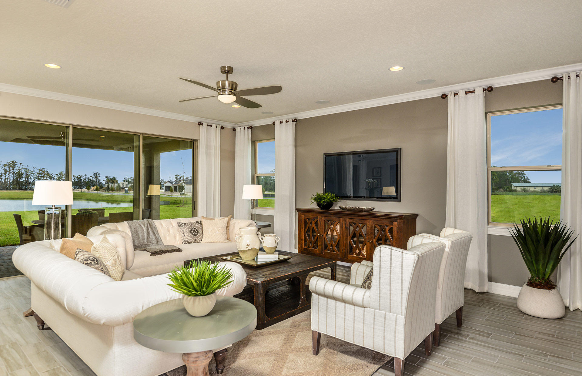 Estates at Lake Pickett by Pulte Homes image 0