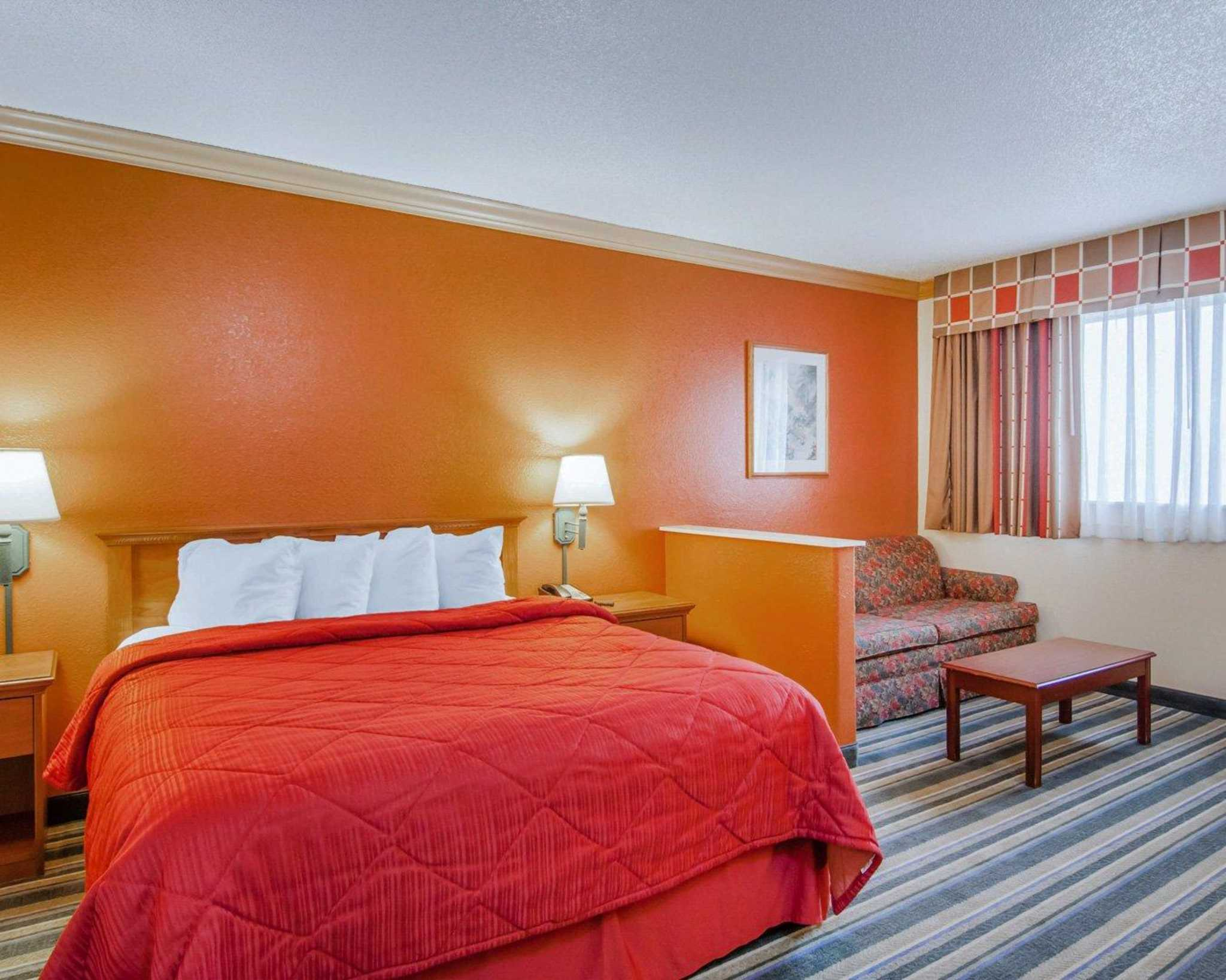 Quality Inn and Suites Airport image 23