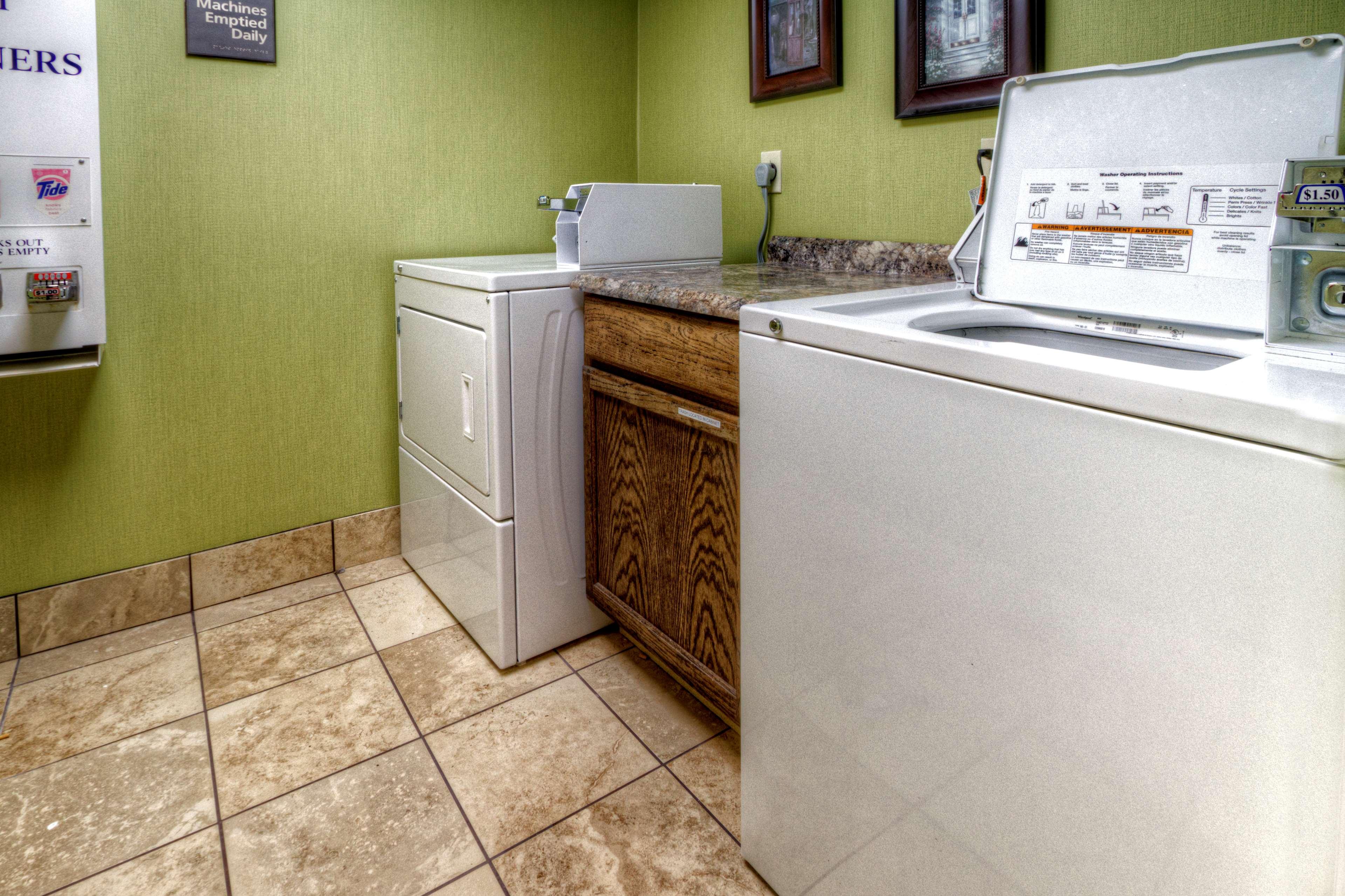 Hampton Inn Goldsboro image 44