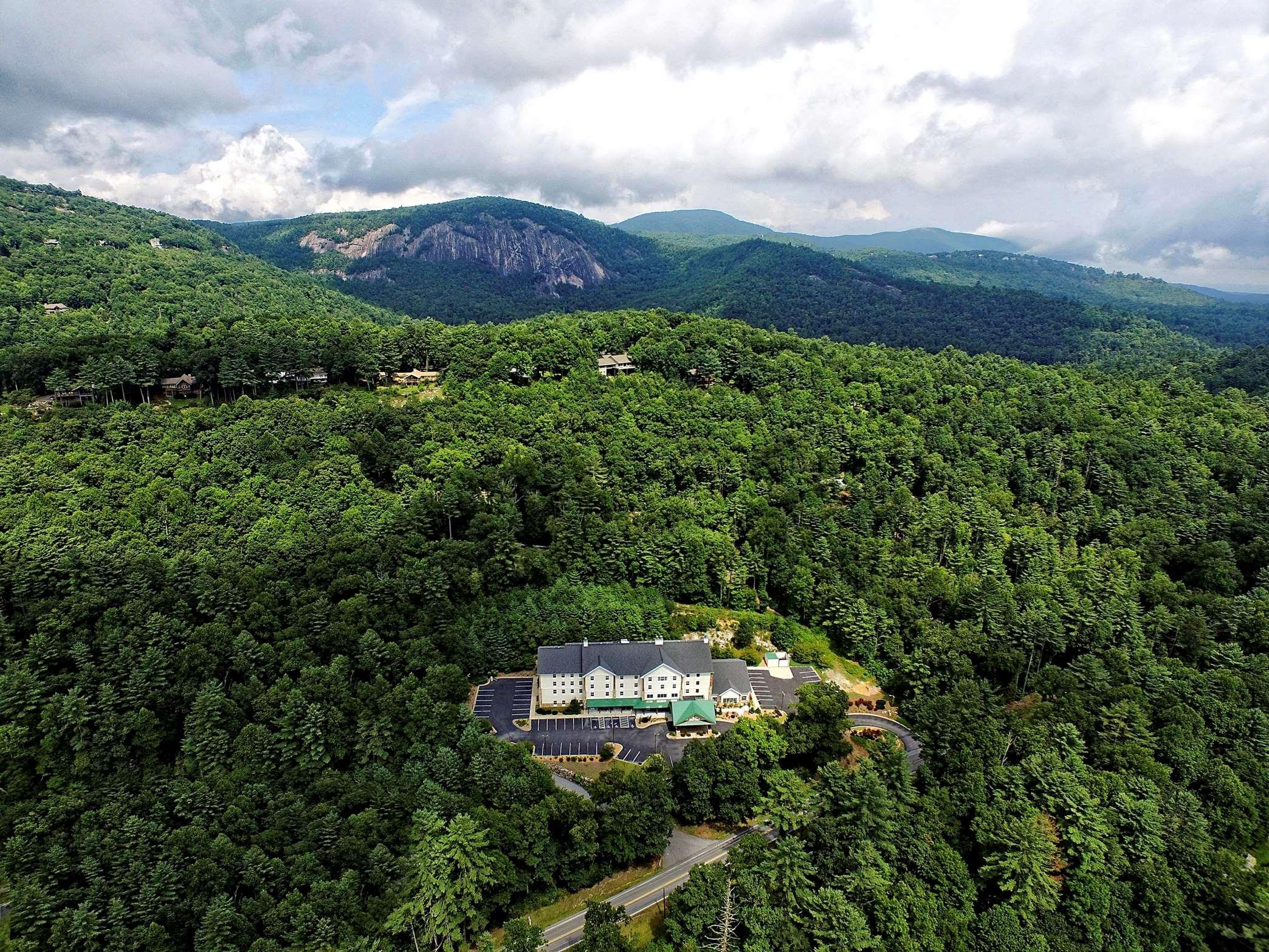 Hampton Inn & Suites Cashiers-Sapphire Valley image 10
