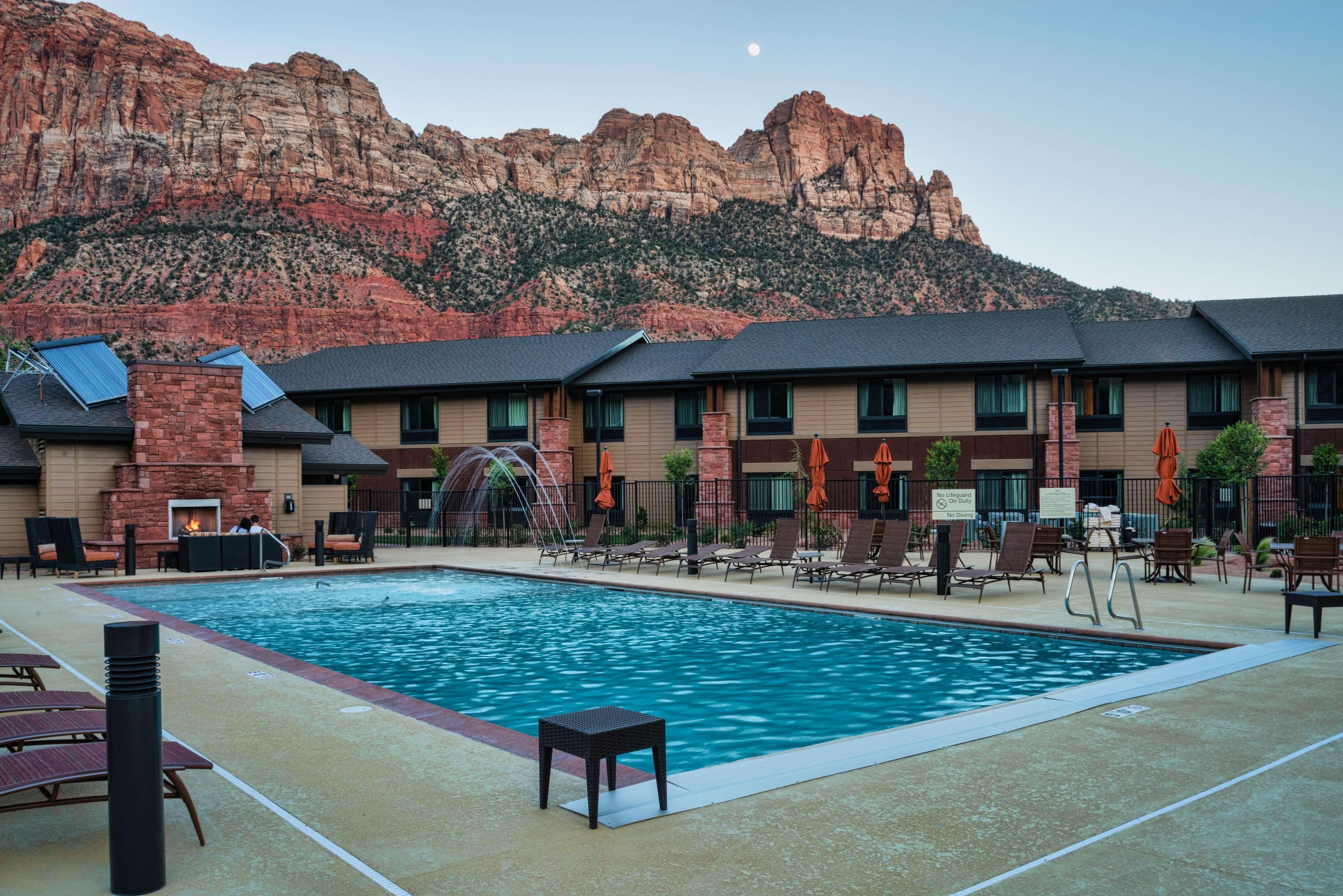 Hampton Inn & Suites Springdale/Zion National Park image 10