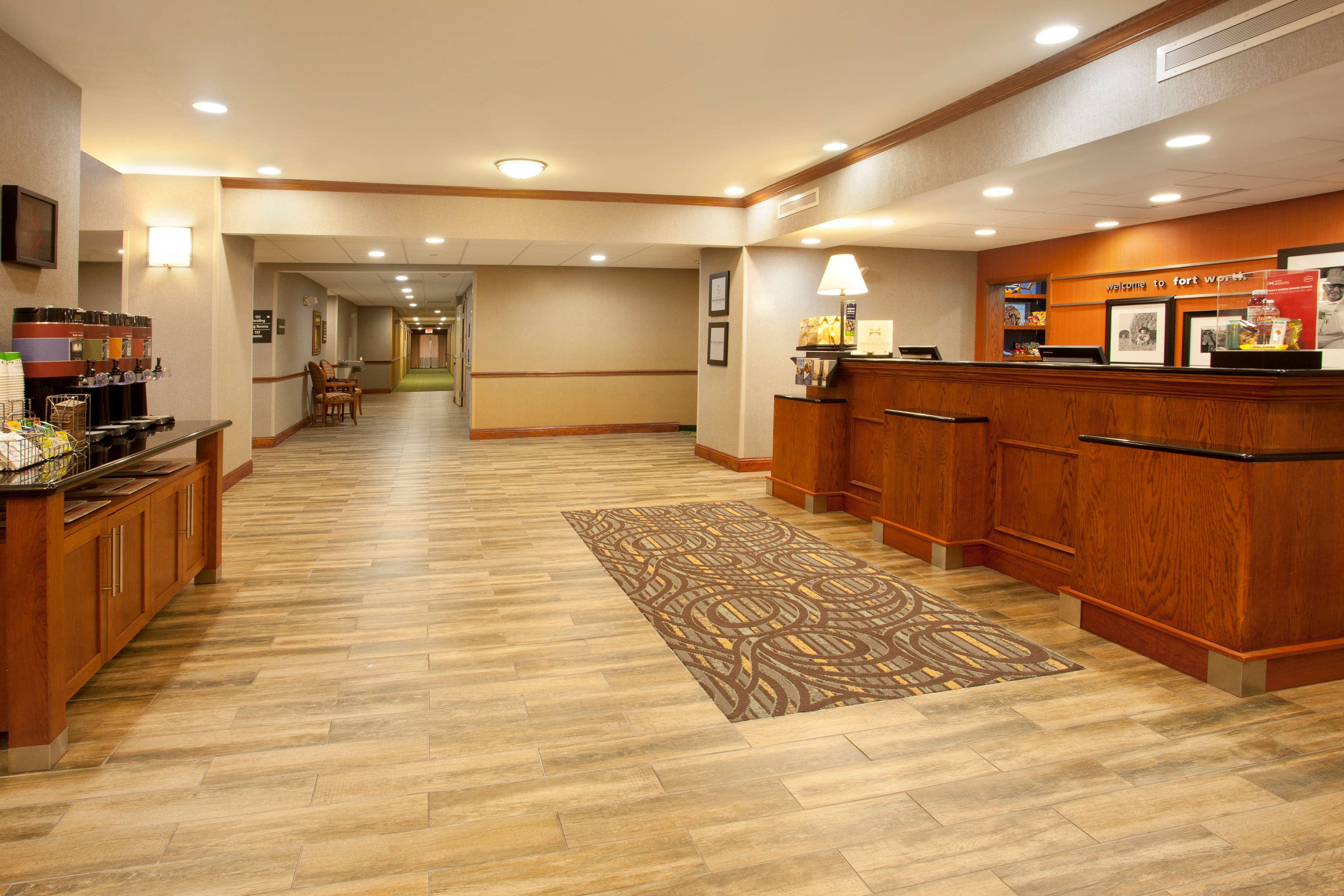 Hampton Inn & Suites Fort Worth-West-I-30 image 3