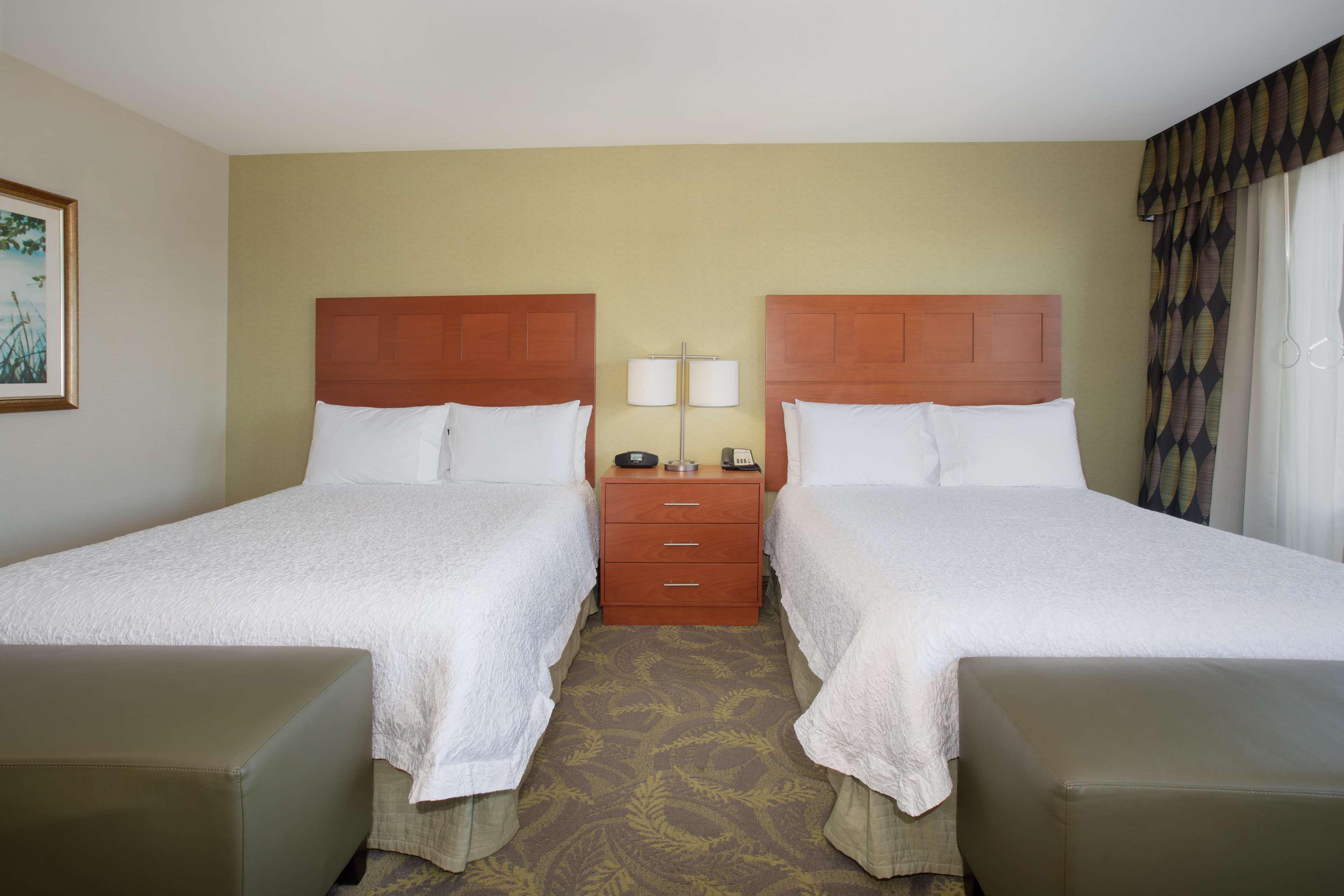 Hampton Inn & Suites Astoria image 18