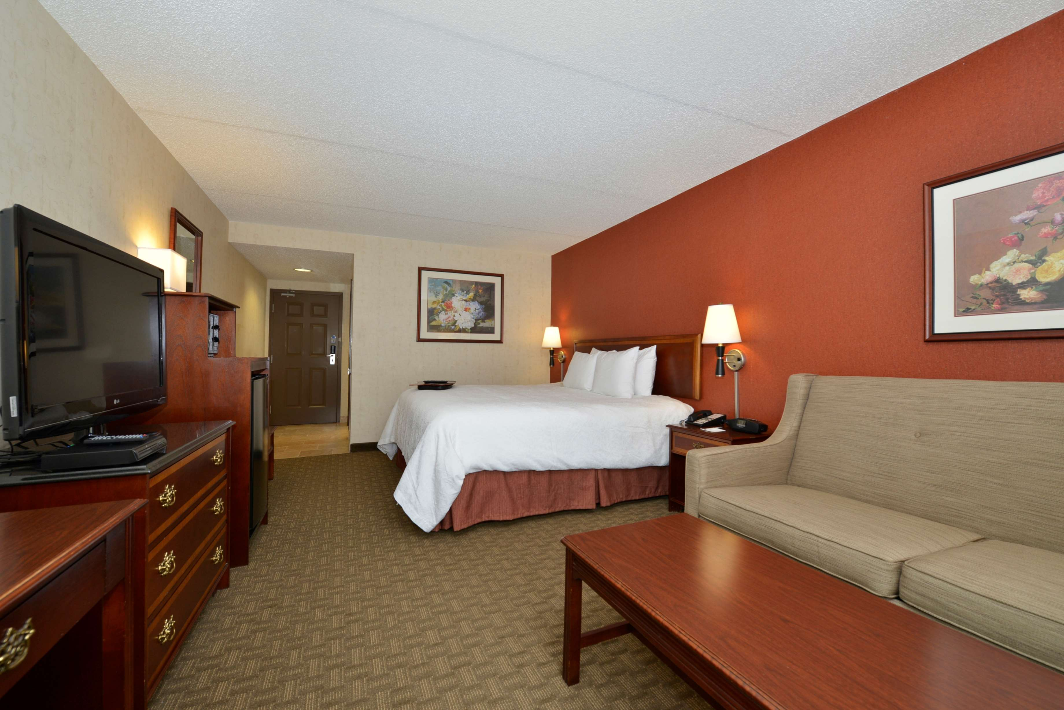 Hampton Inn East Aurora image 36